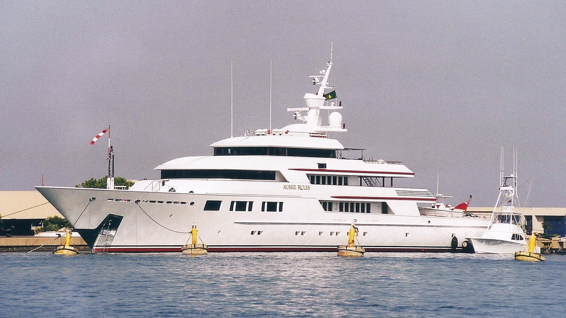 nomad-explorer-yacht-oceanfast-2003-70m-profile-before-refit