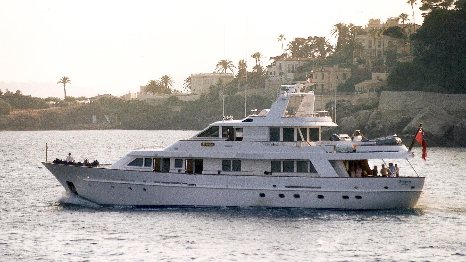 aldonza-of-cayman-islands-motor-yacht-mallorca-1995-32m-profile