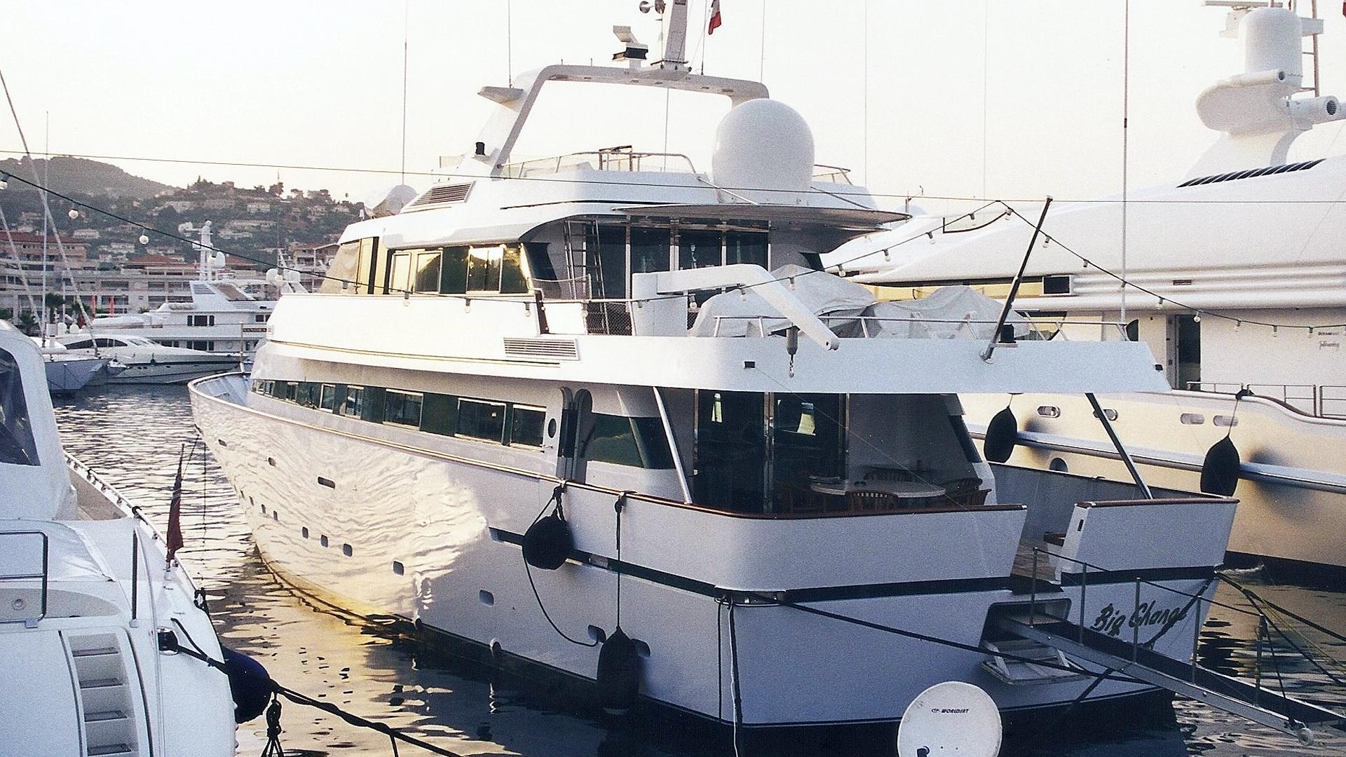 big-change-ii-motor-yacht-proteksan-1986-38m-stern-before-refit