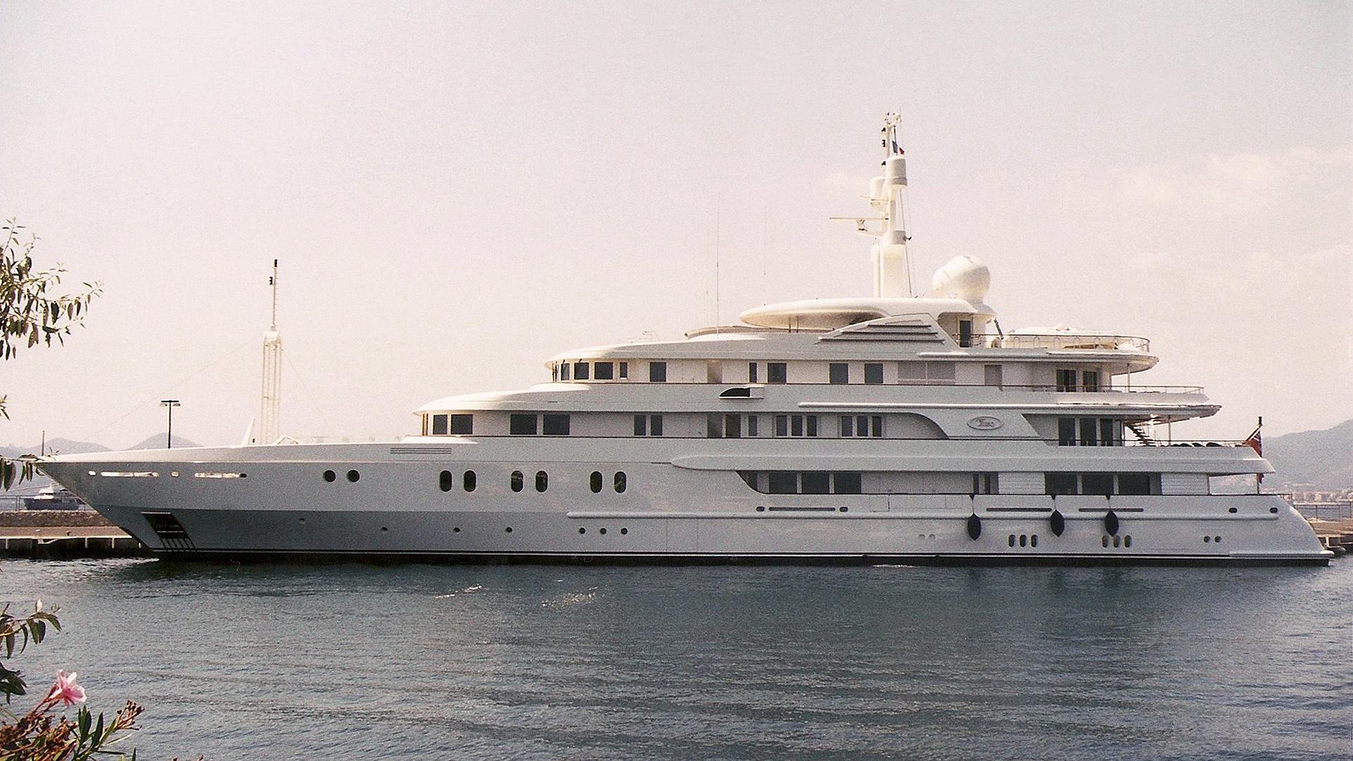 tueq-motor-yacht-Van-Der-Giessen-De-Noord-2002-78m-before-refti