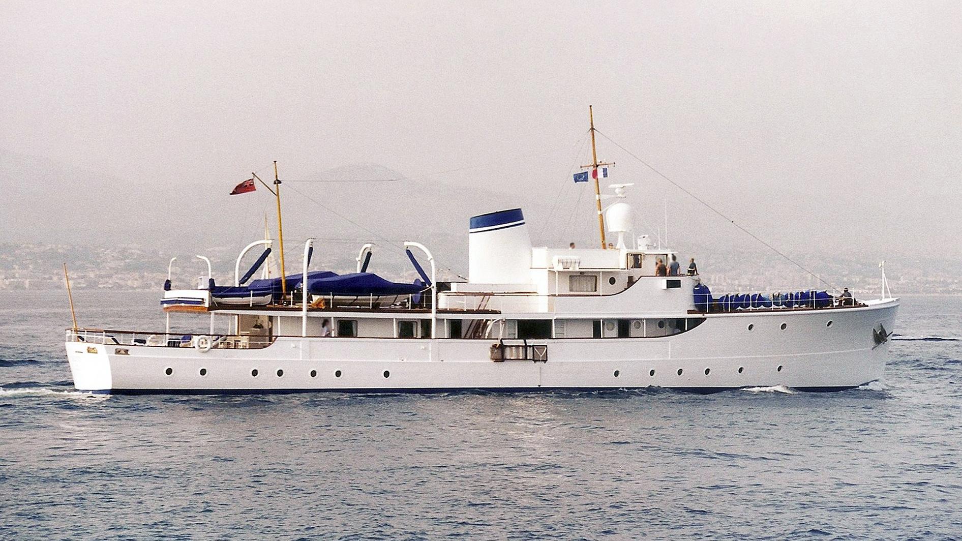 calisto-motor-yacht-astoria-1944-41m-profile