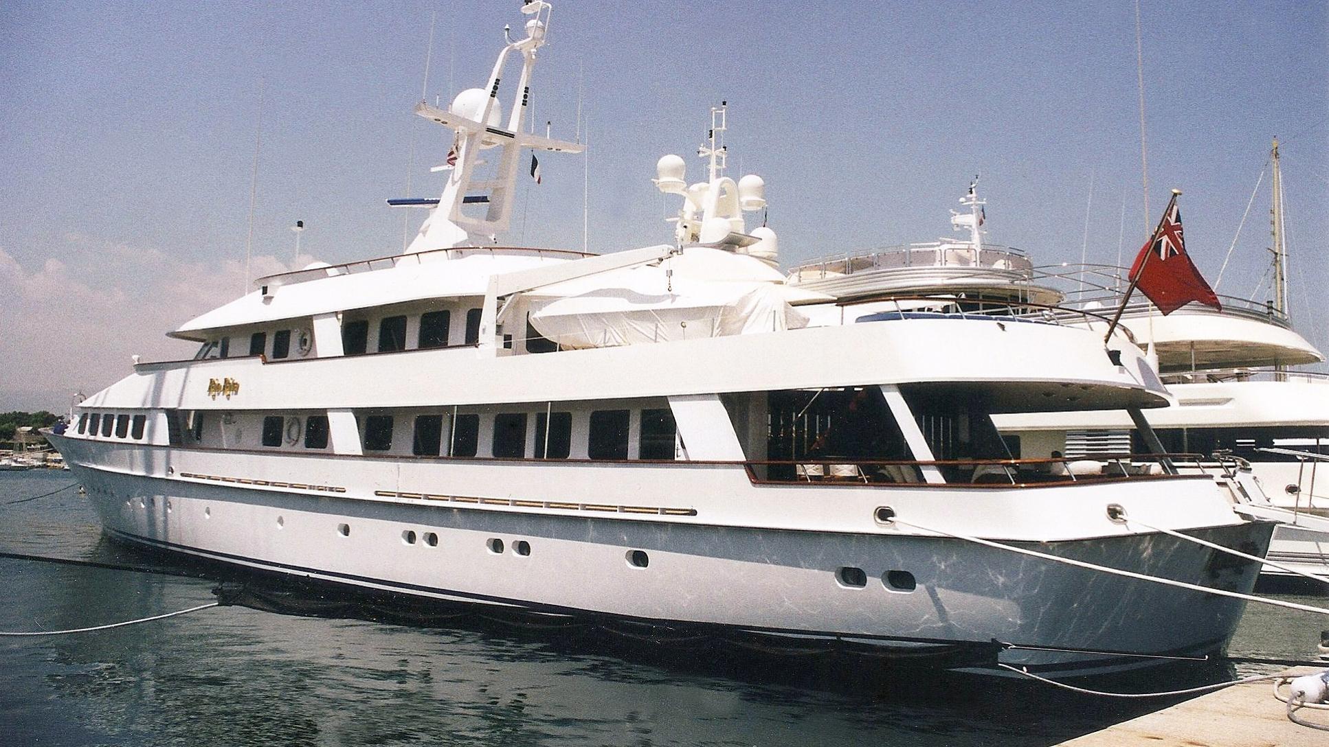 rio-rita-motor-yacht-feadship-1984-56m-stern-before-refit