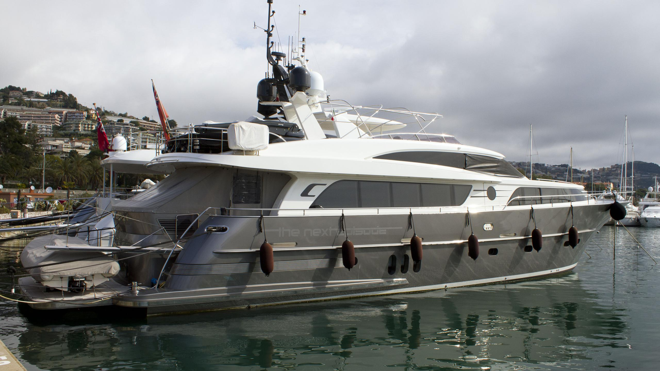 the-next-episode-motor-yacht-van-der-valk-2014-26m-stern