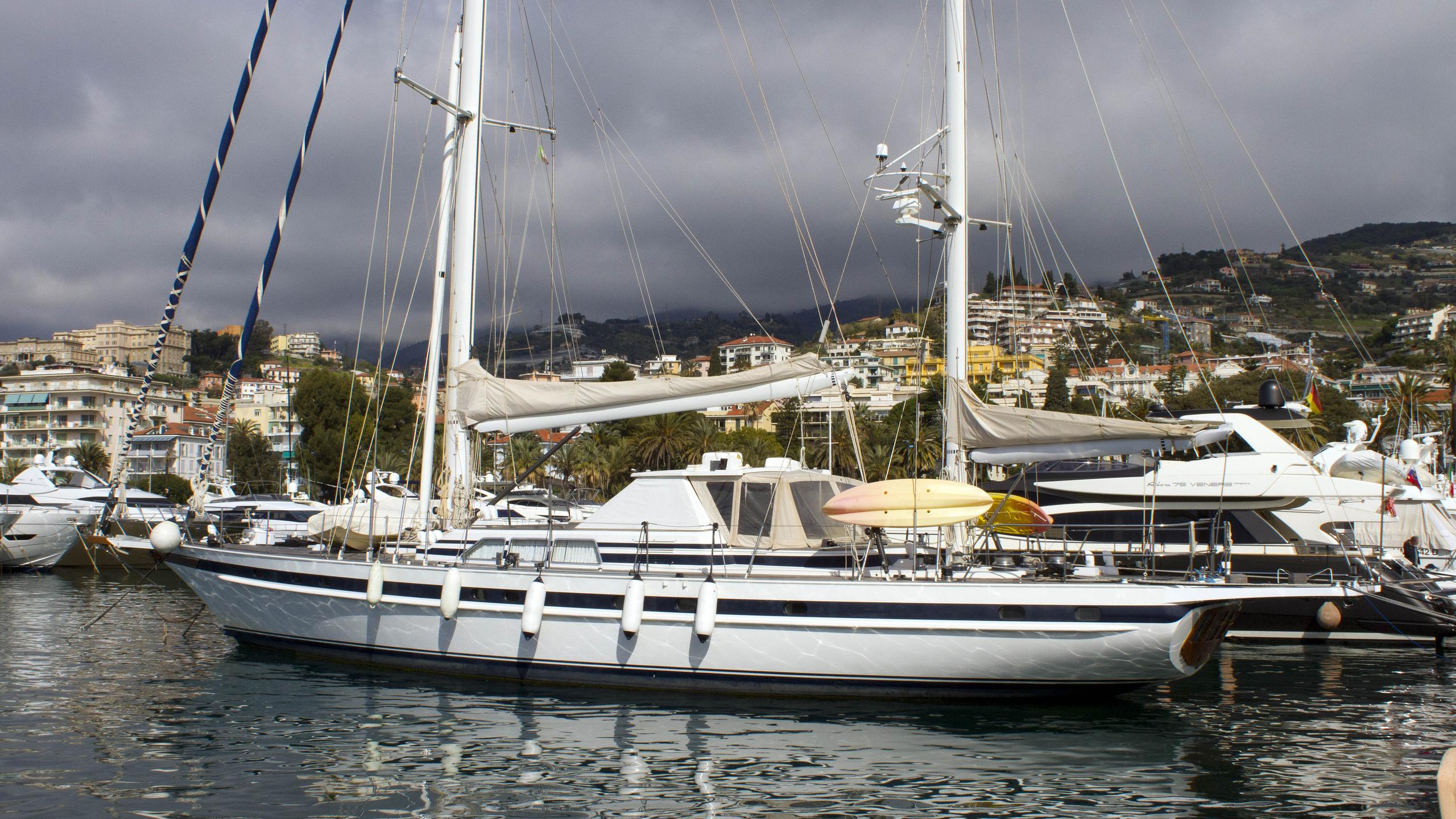 colombaio-sailing-yacht-jongert-25ds-1992-29m-moored