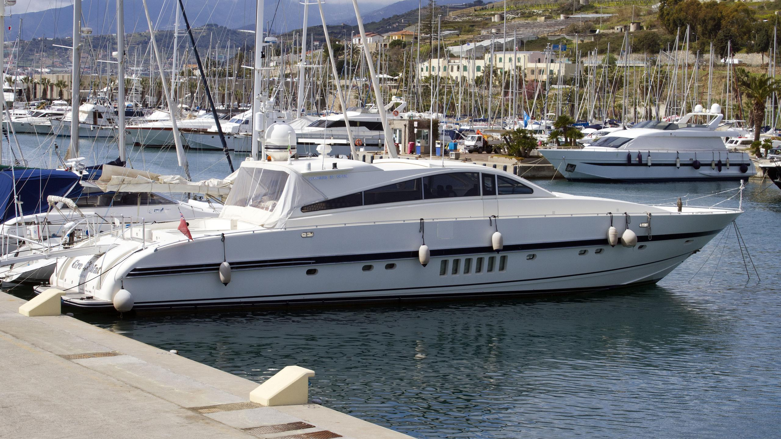 gremat-motor-yacht-arno-leopard-27-sport-1999-27m-profile