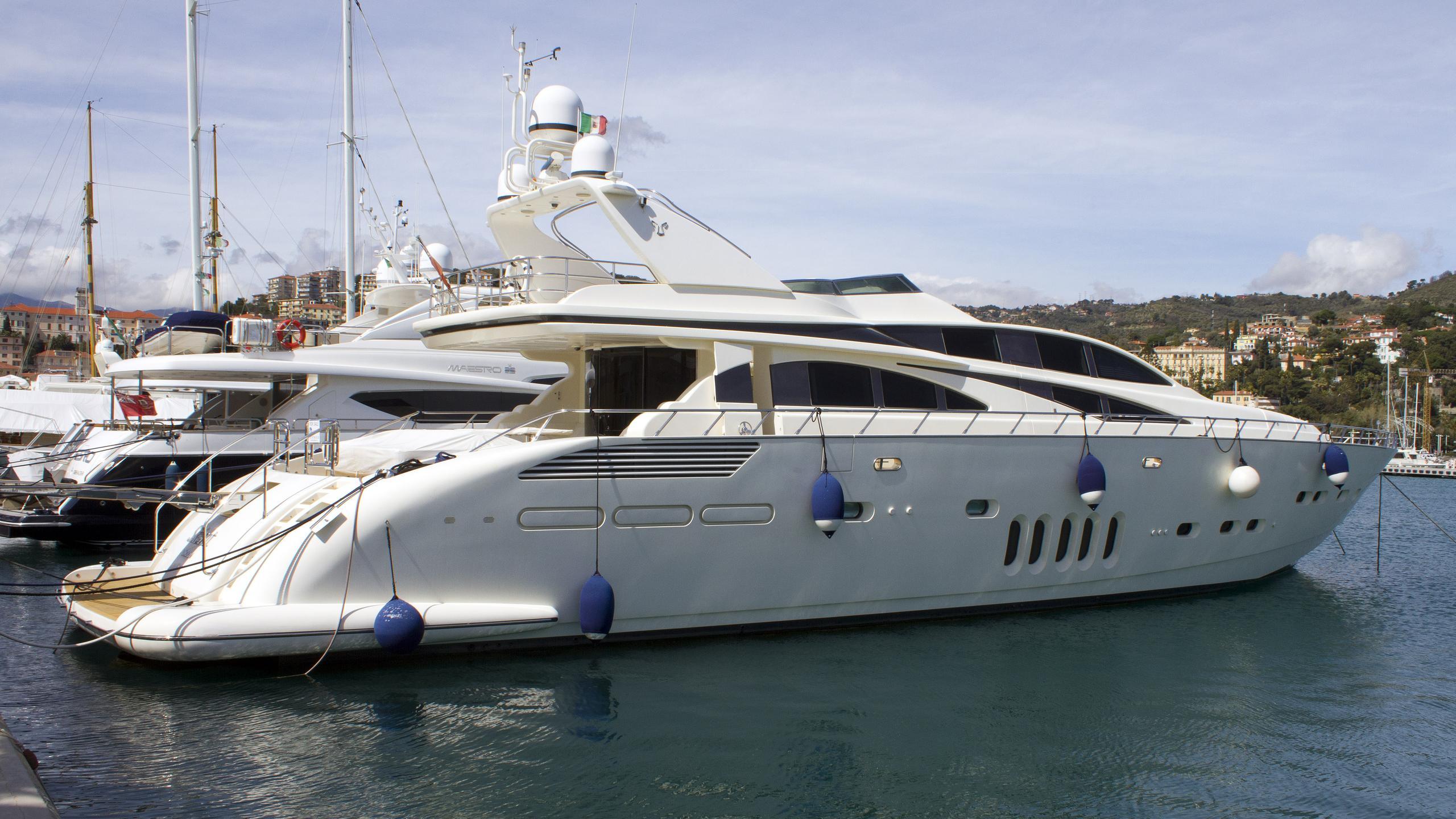 skiant-motor-yacht-arno-leopard-32m-sport-2006-moored