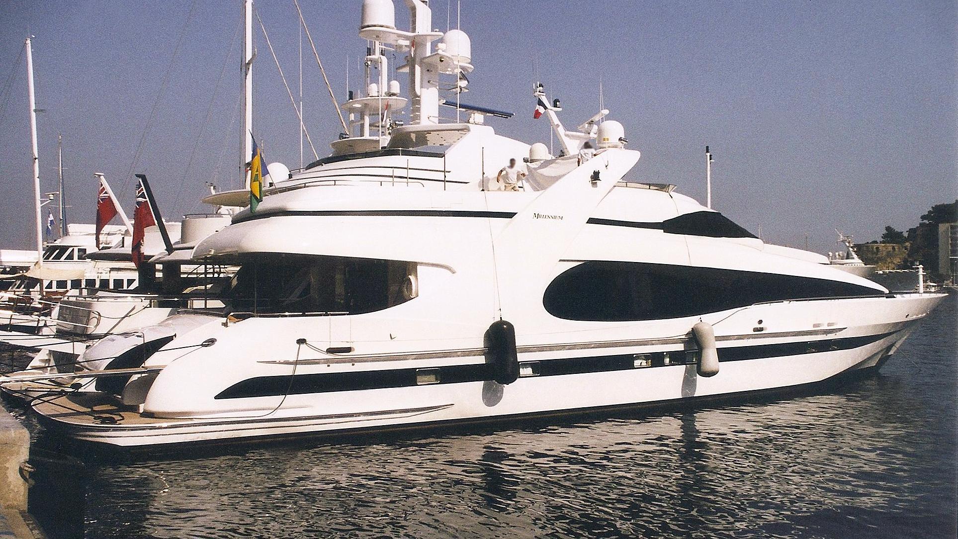 phantom-motoryacht-gulf-craft-2001-36m-profile