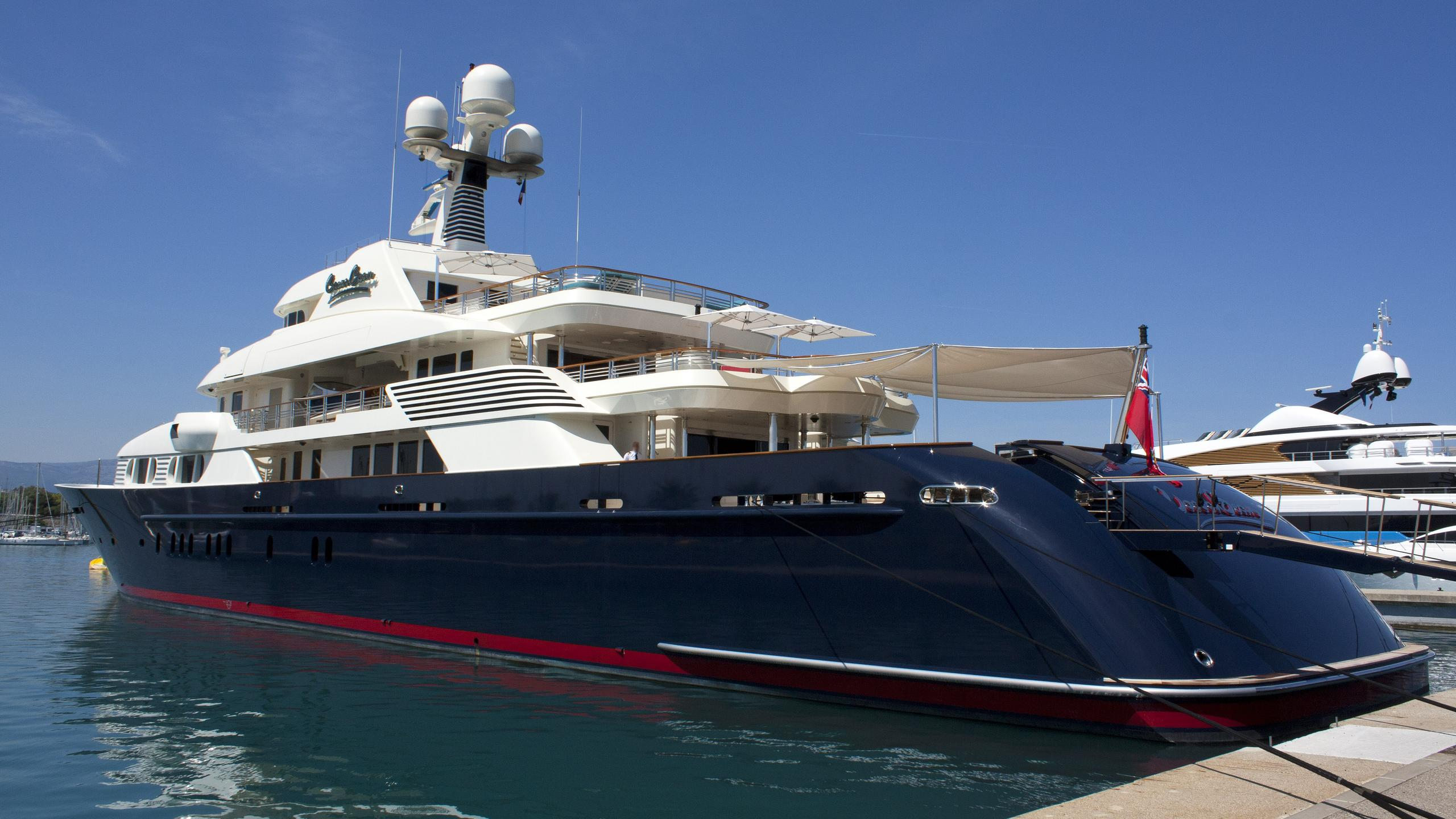 cocoa-bean-motor-yacht-trinity-2013-47m-half-profile