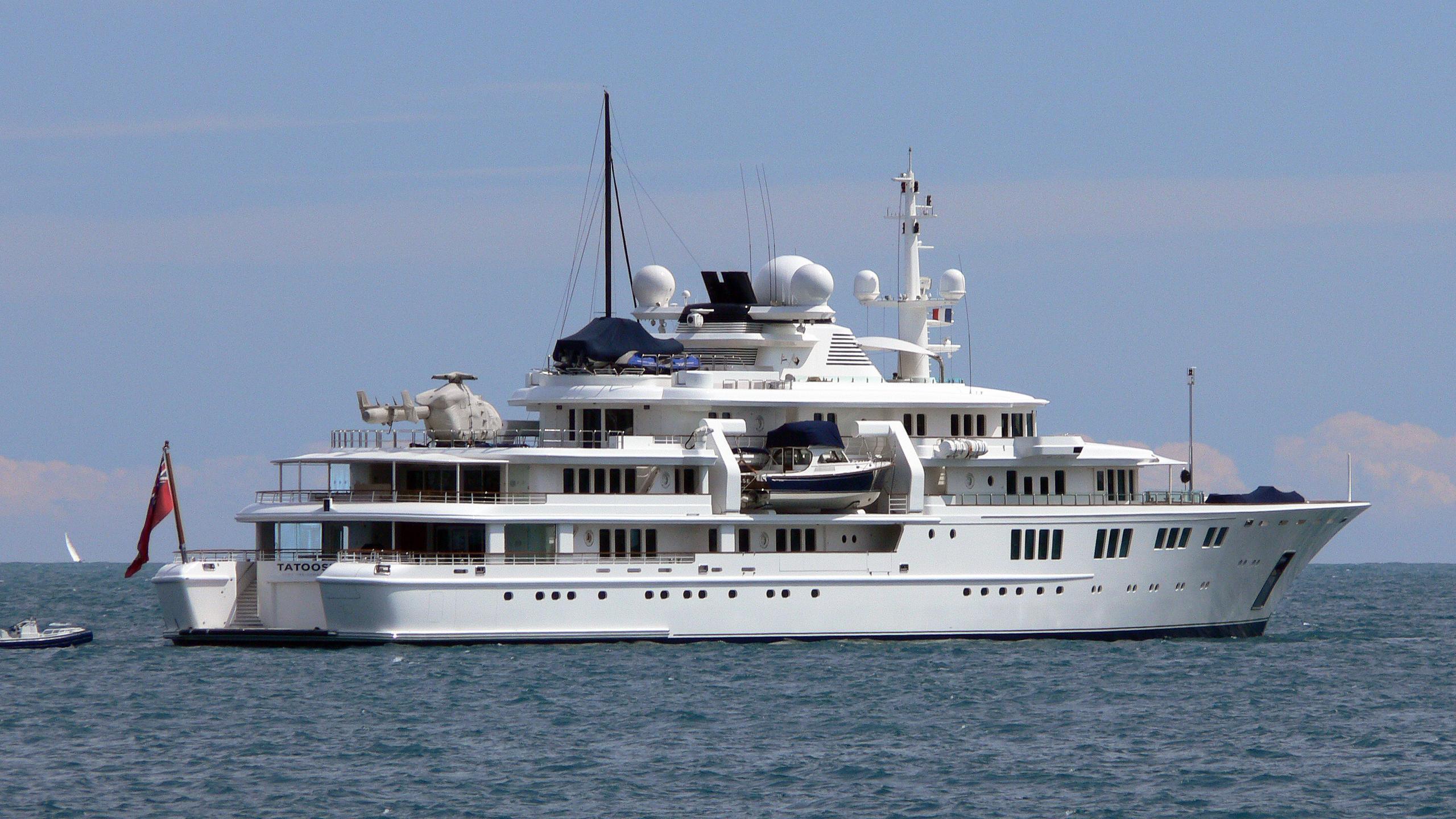 tatoosh-motor-yacht-nobiskrug-2000-92m-stern-half-profile