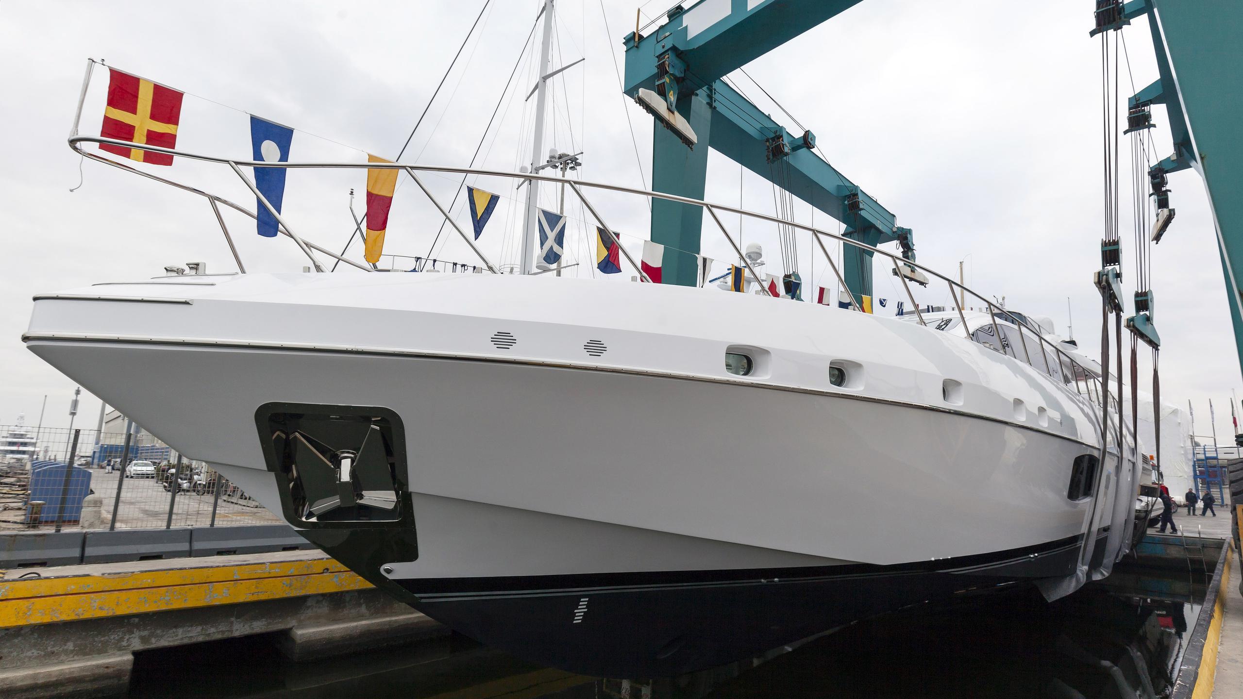 miss moneypenny stella bianca motoryacht overmarine mangusta 94 2016 29m launch