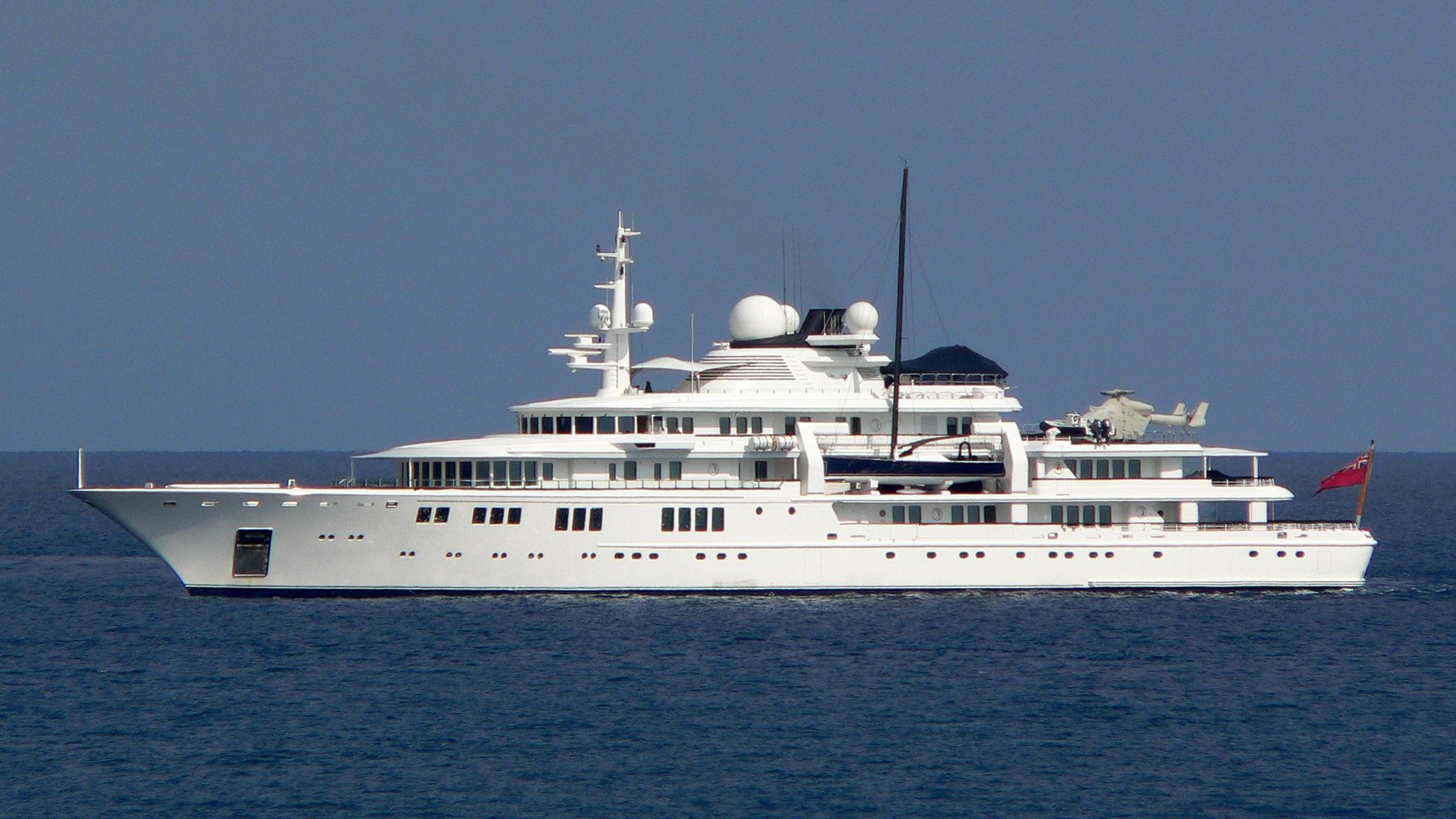 tatoosh-yacht-exterior