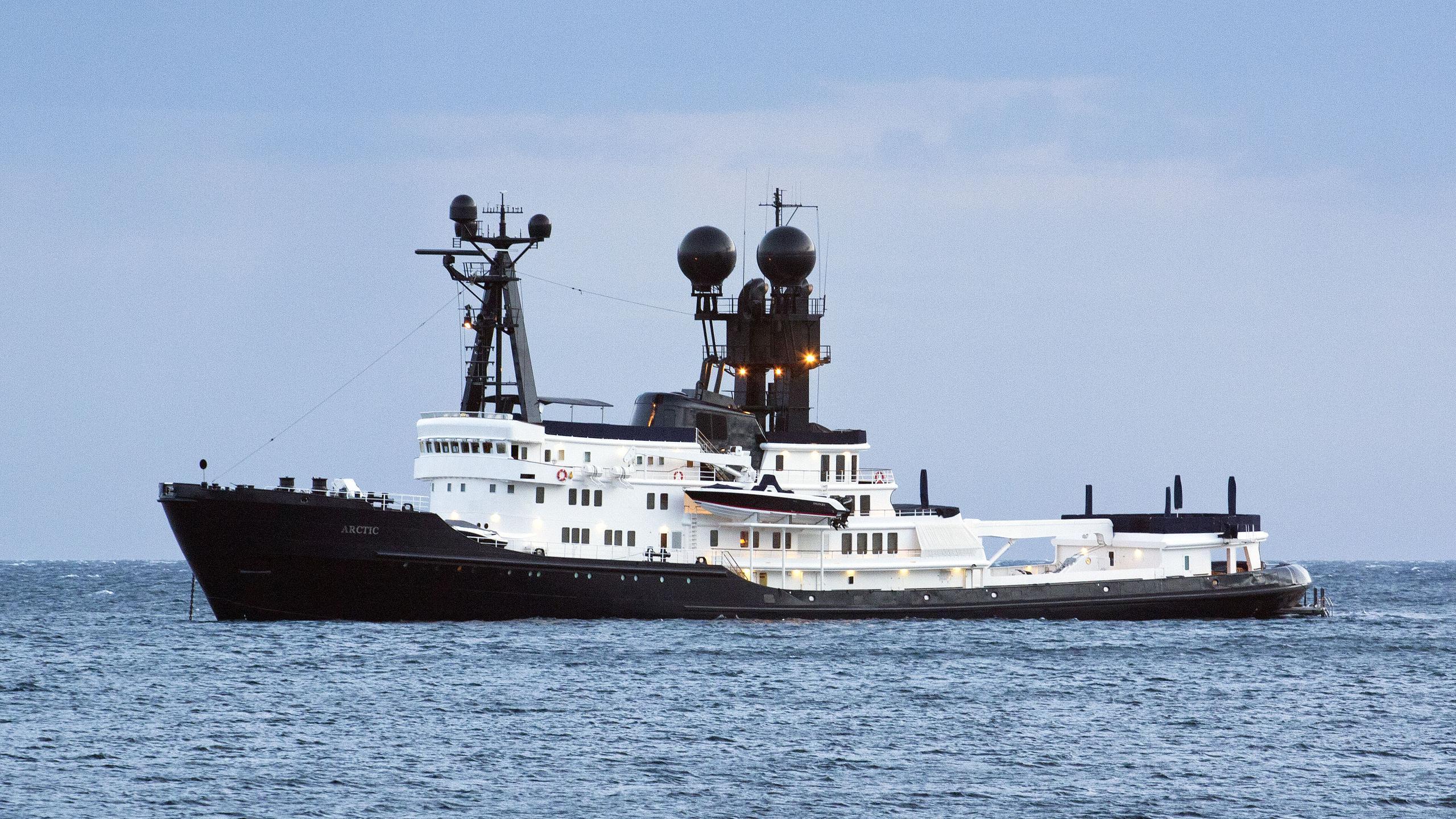arctic-p-explorer-yacht-schichau-unterweser-1969-88m-profile