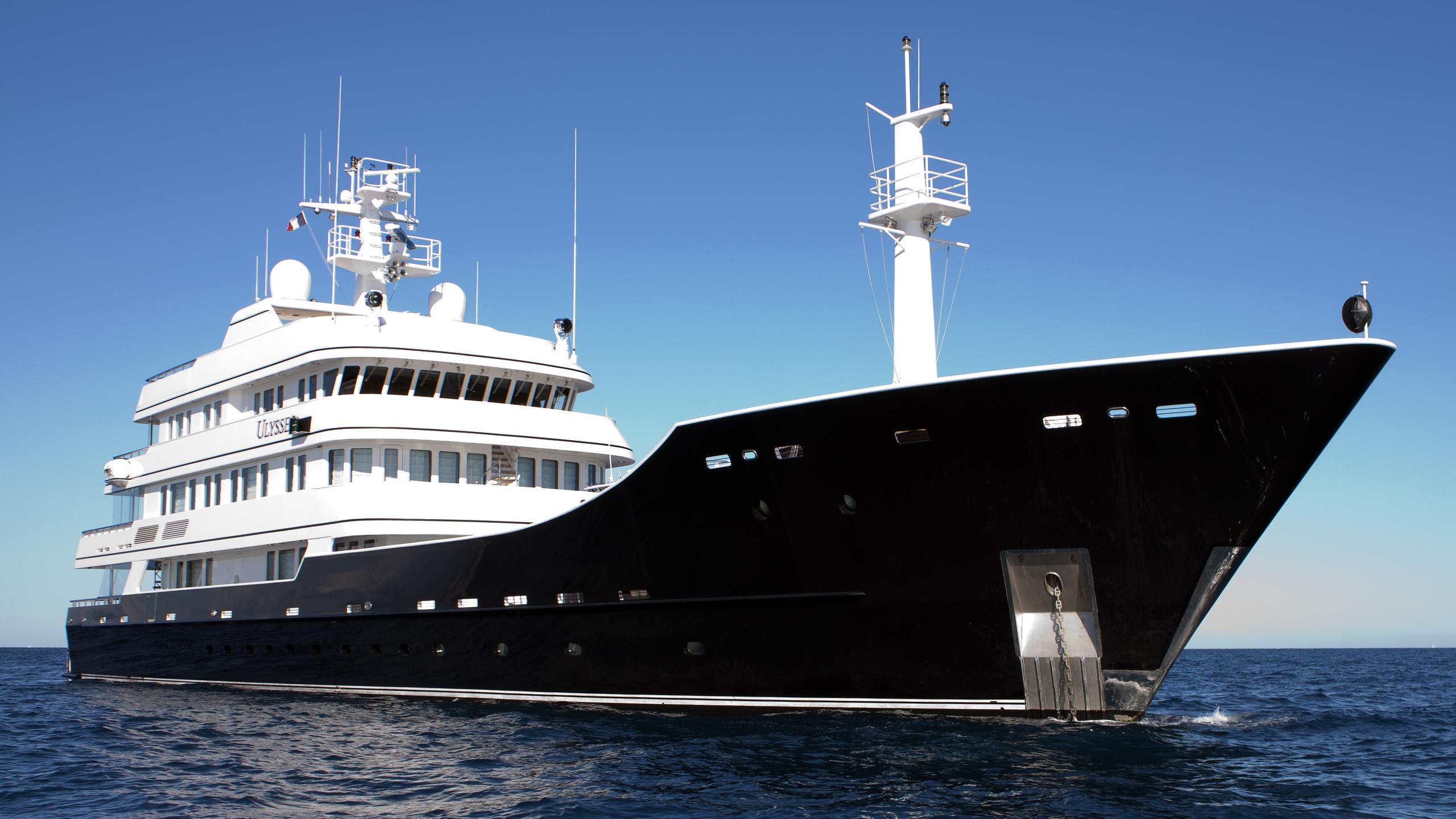 grand-rusalina-explorer-yacht-trinity-global-explorer-192-2003-59m-half-profile