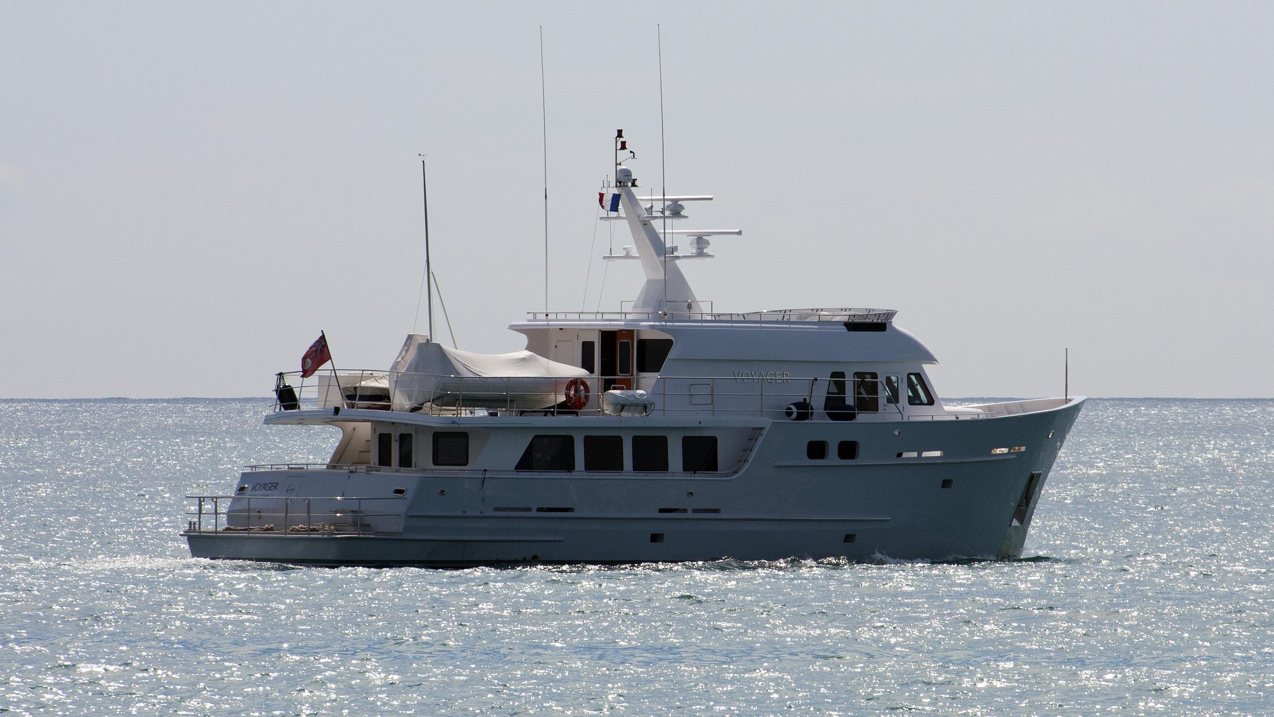 voyager-explorer-yacht-custom-passage-maker-85-2004-26m-profile