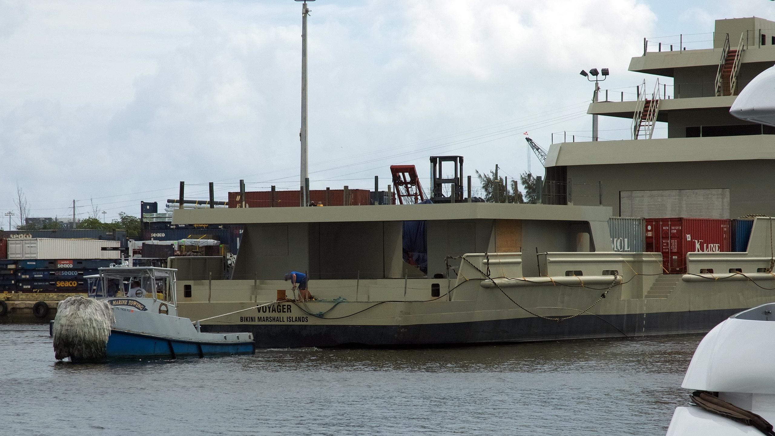 voyager-motoryacht-swiftships-1997-78m-stern