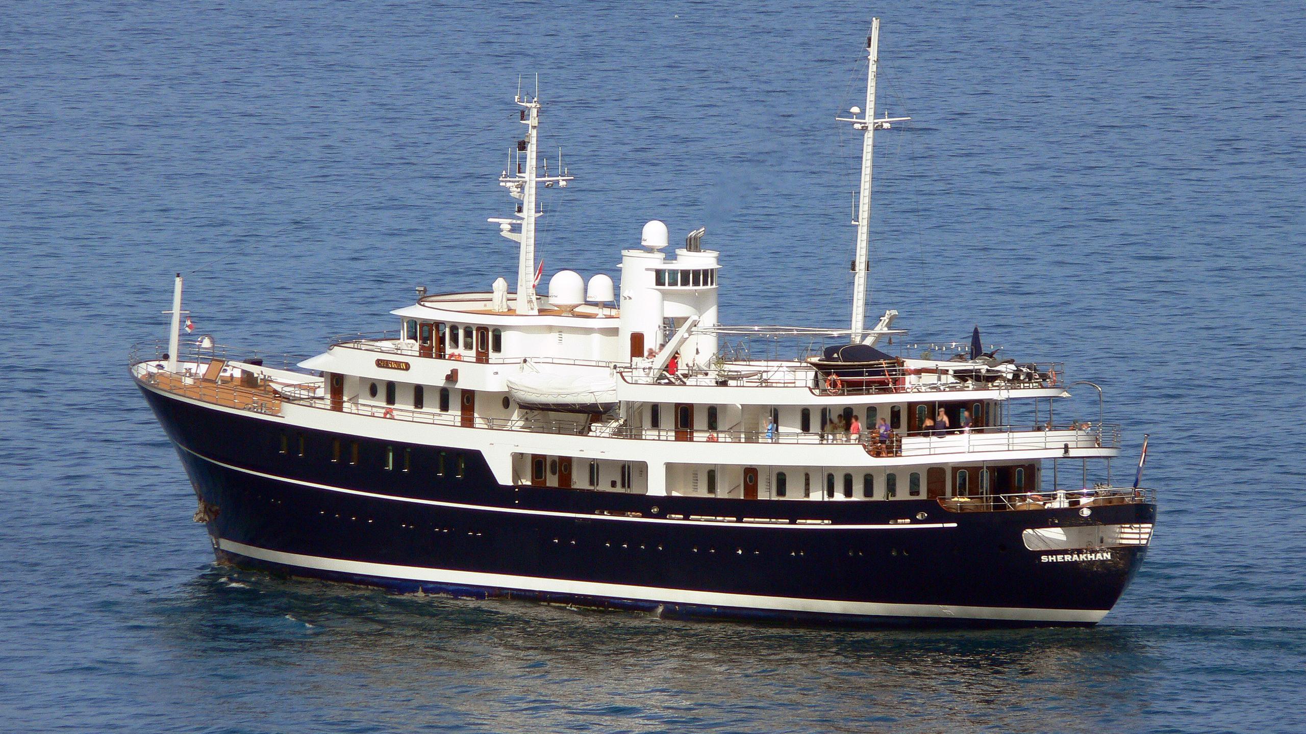 sherakhan motoryacht vuyk 70m 1966 half stern