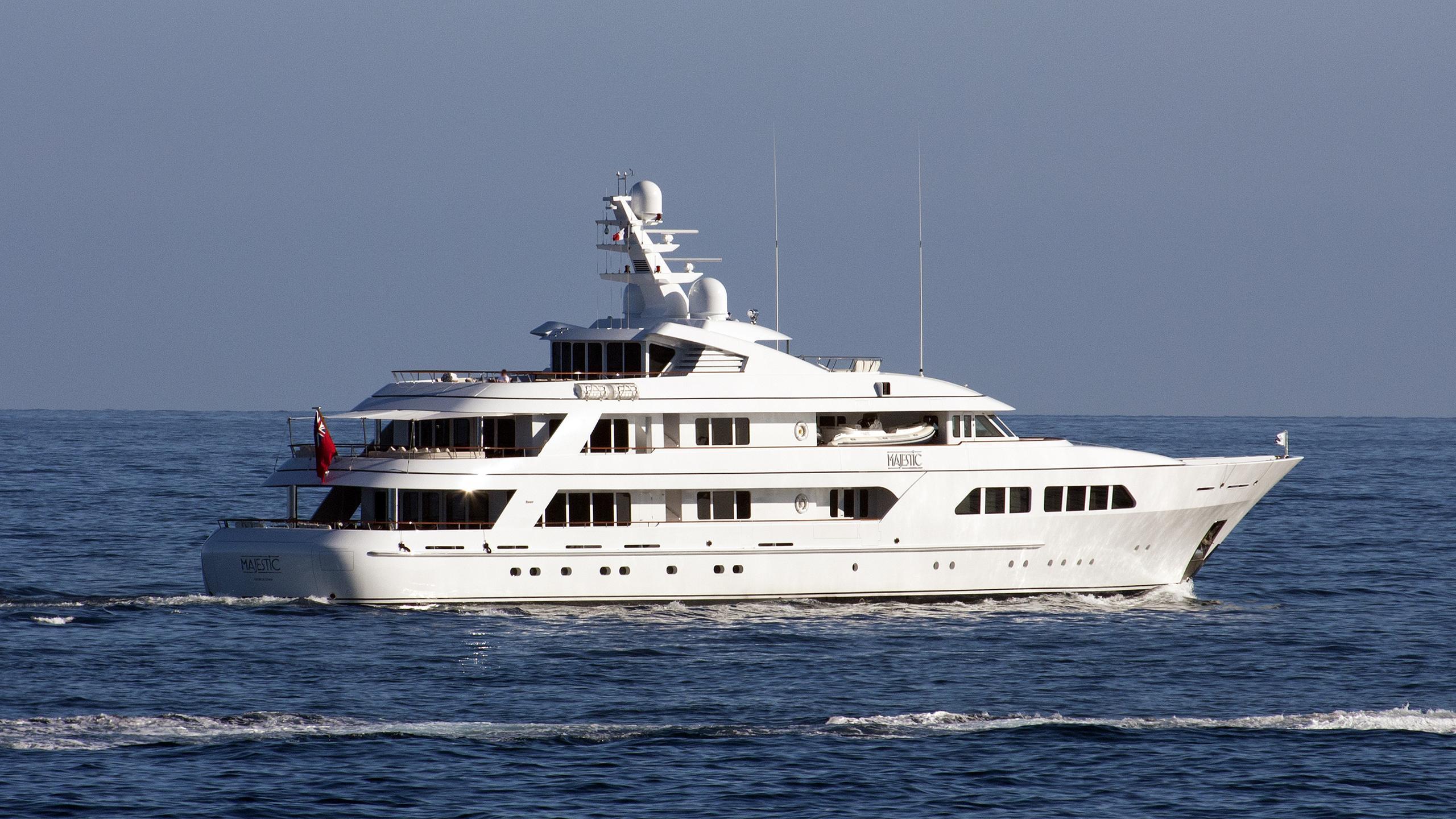 majestic-motor-yacht-feadship-2007-61m-half-profile-stern