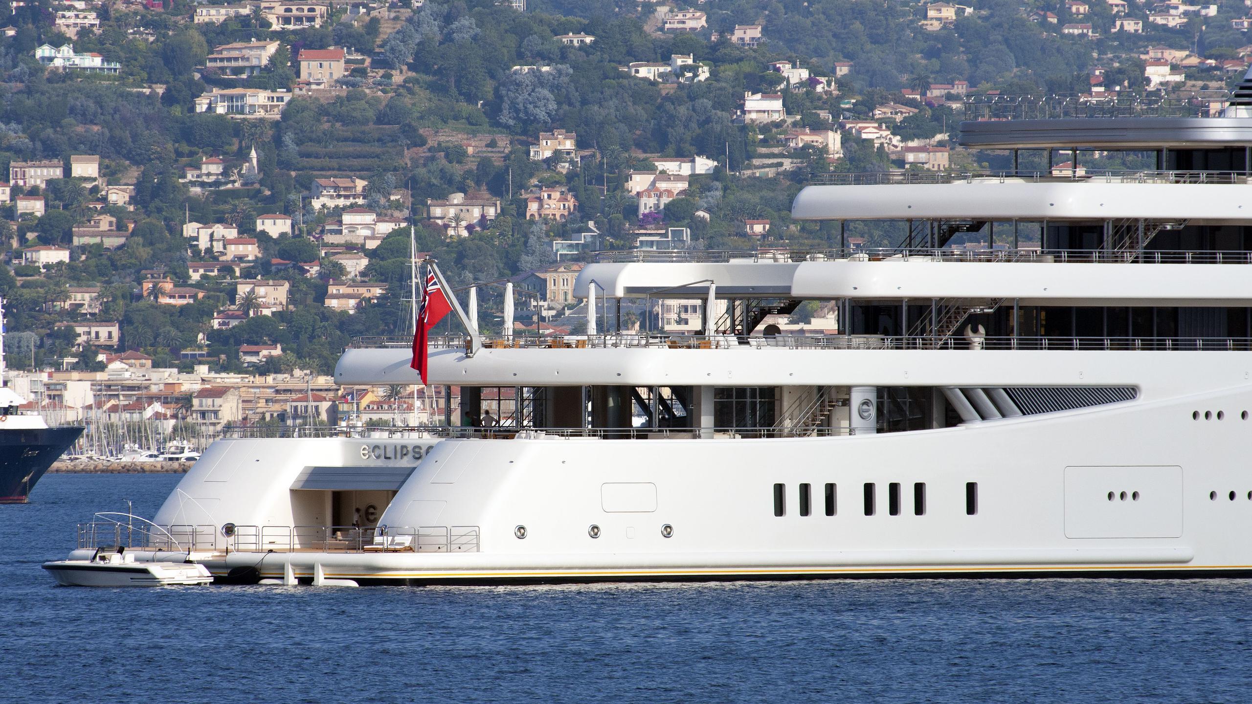 eclipse-motor-yacht-blohm-voss-2010-162m-stern-details-details