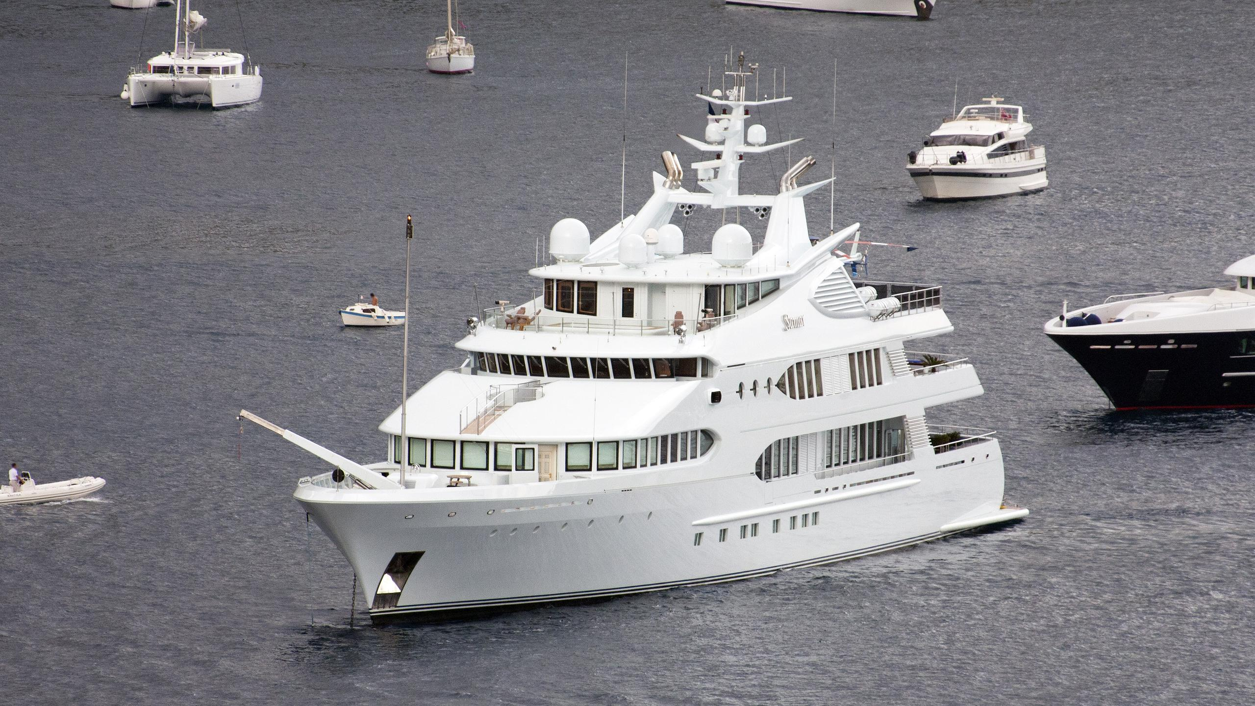 samar-motor-yacht-devonport-2006-77m-bow
