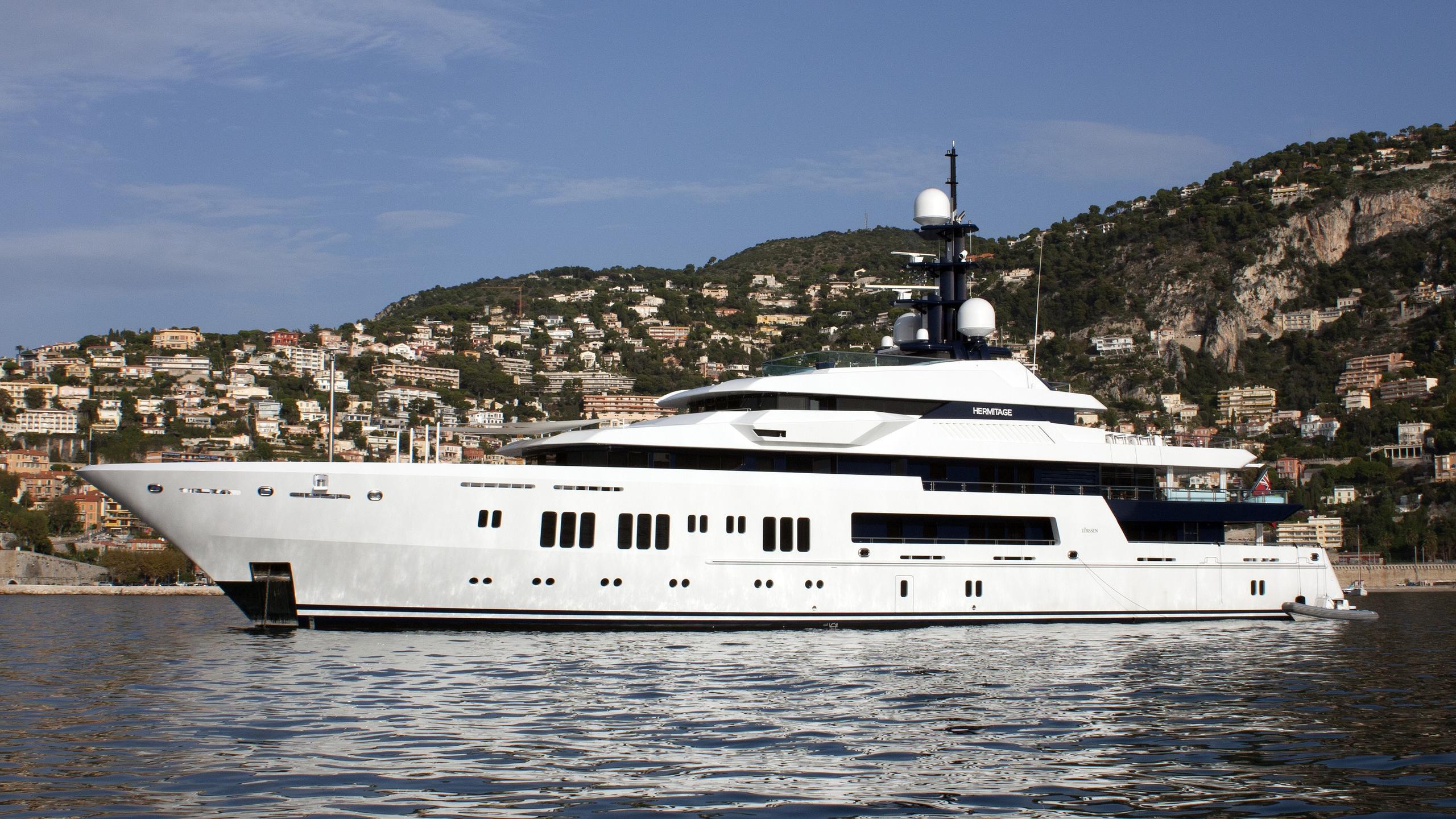 hermitage-yacht-exterior