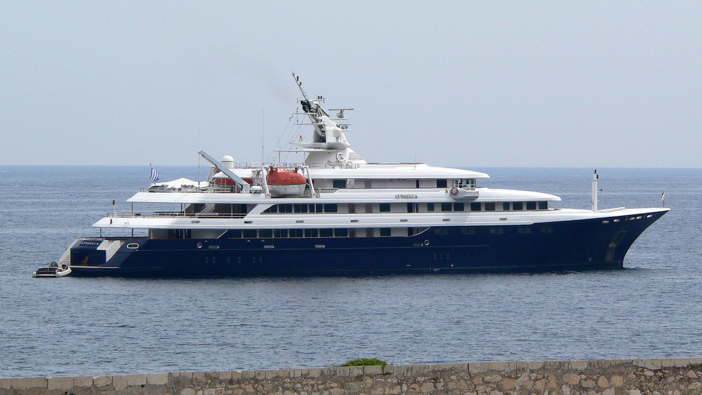 o-mega-motor-yacht-mitsubishi-hi-1985-82m-before-refit