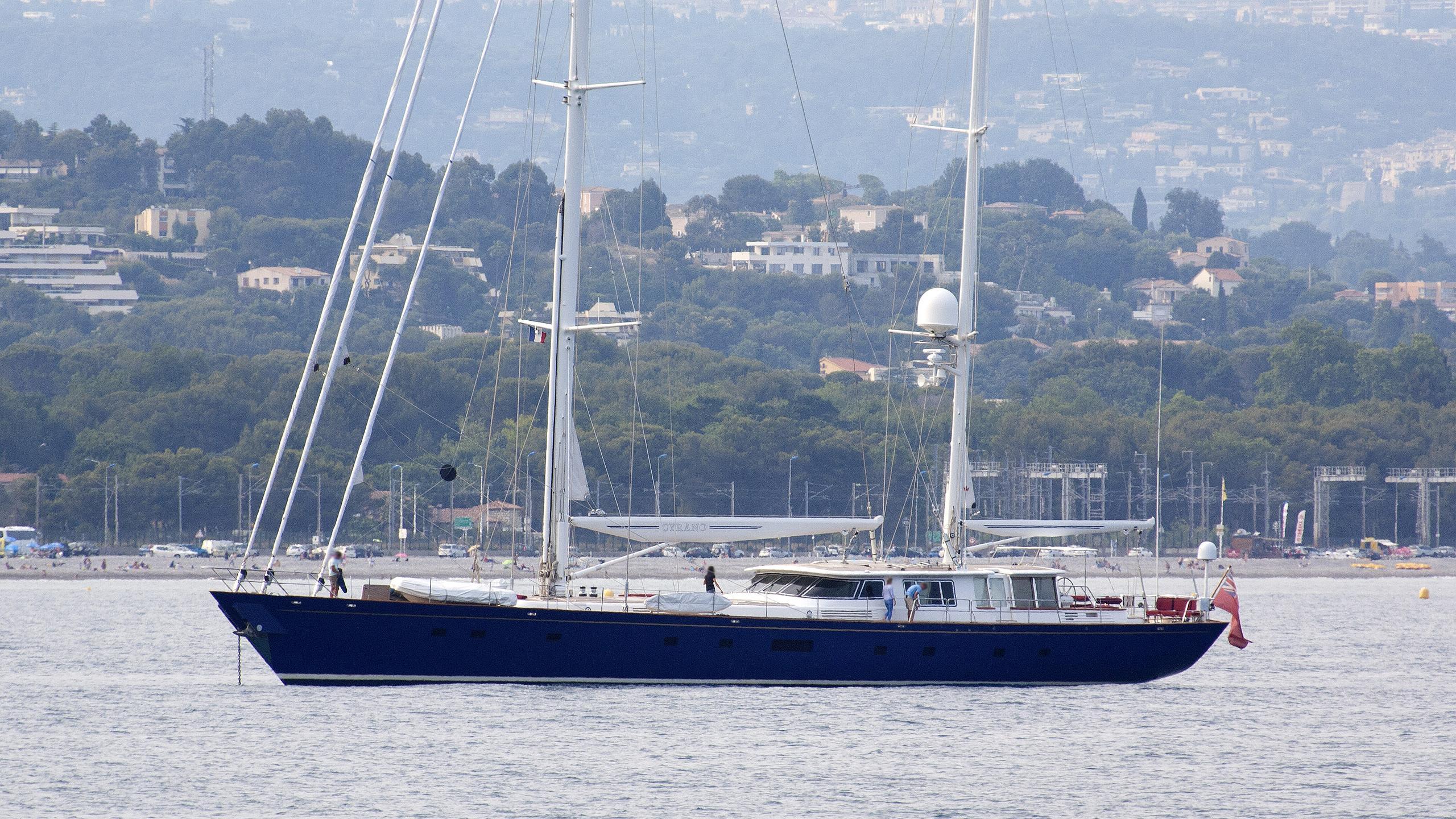 cyrano-de-bergerac-sailing-yacht-camper-nicholsons-1993-39m-profile