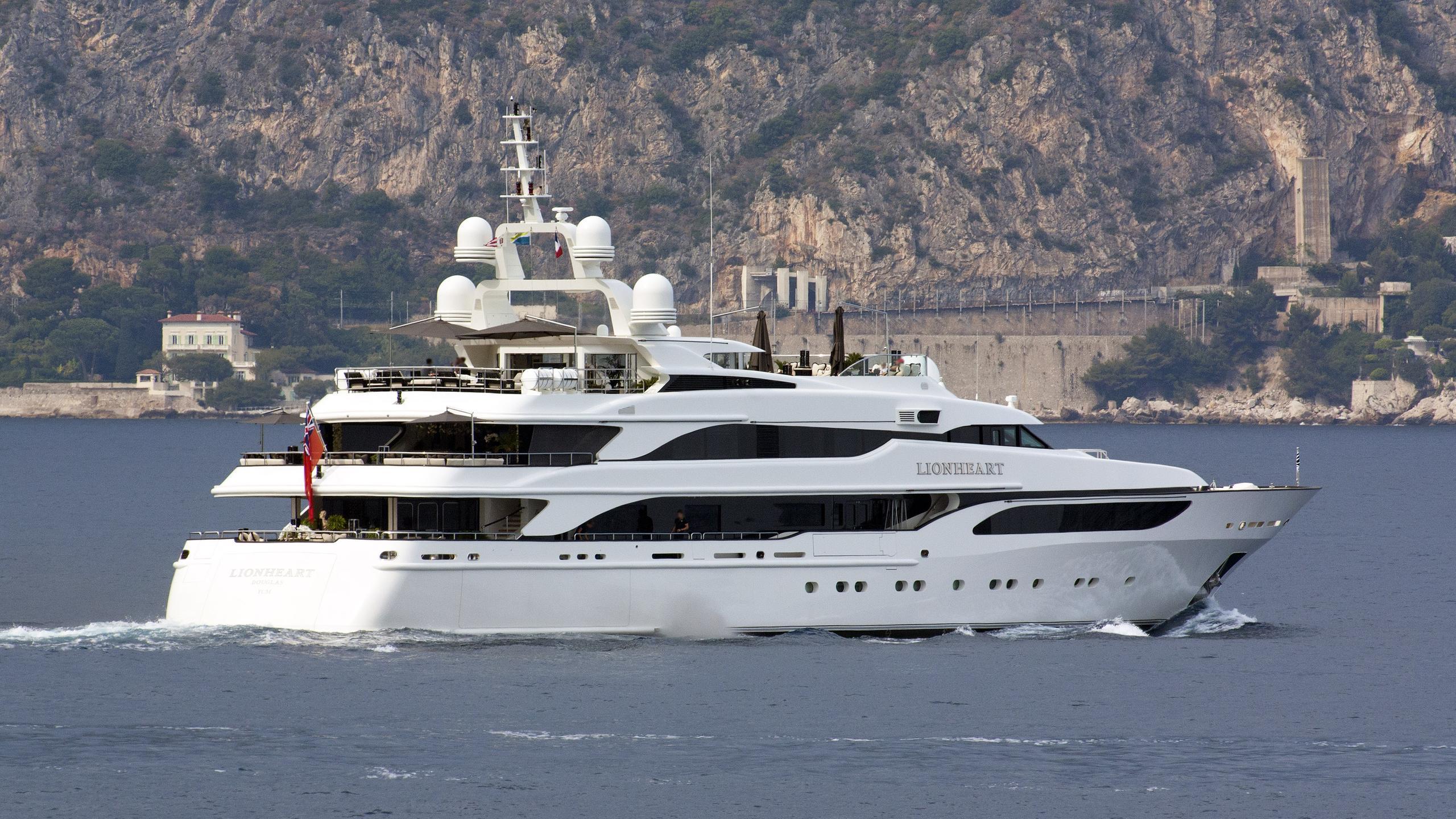 lioness-v-motor-yacht-benetti-2006-63m-half-profile