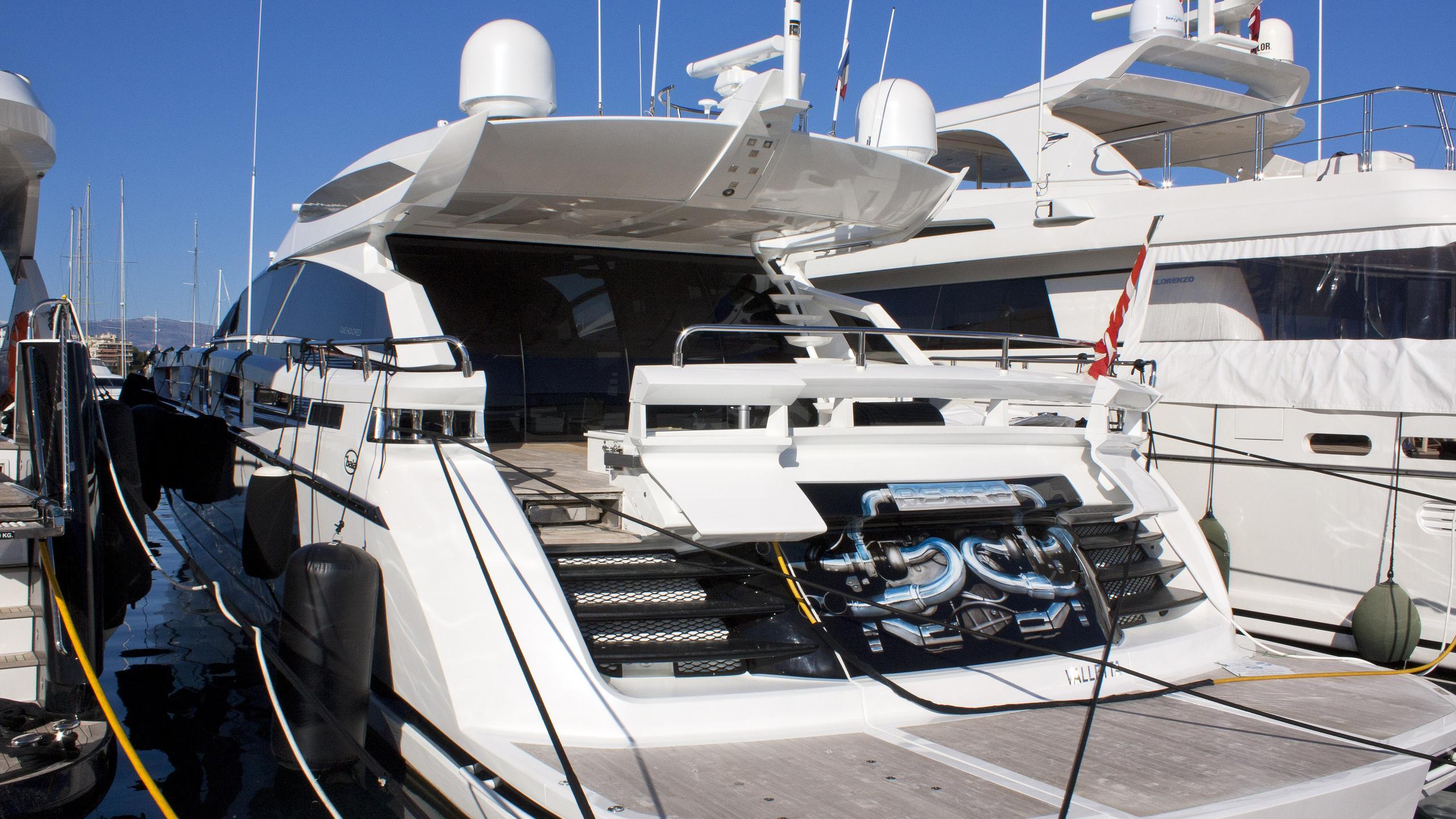 astro-motor-yacht-baia-one-hundred-2010-31m-stern
