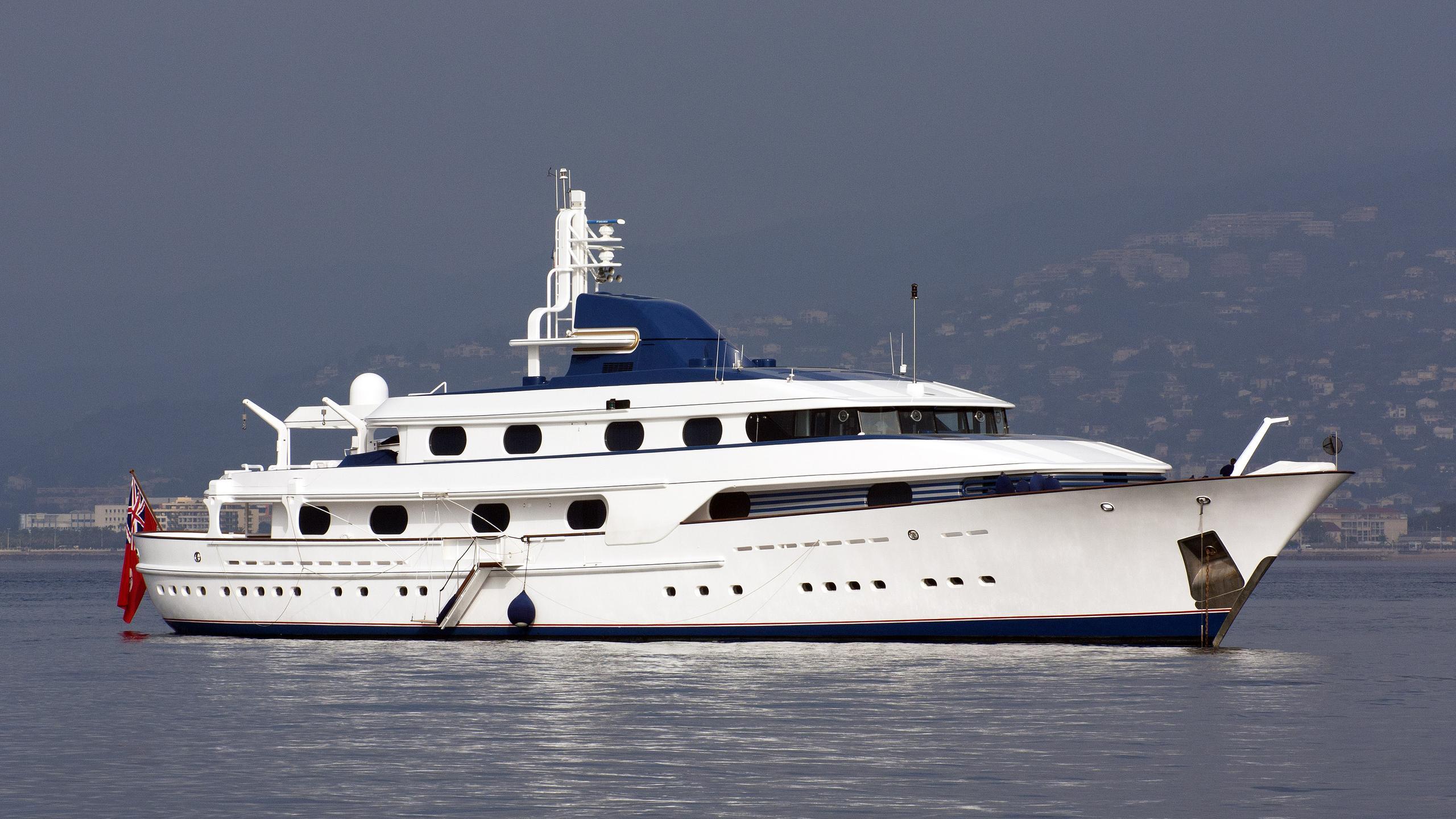 cleopatra-c-motor-yacht-amels-1985-57m-half-profile