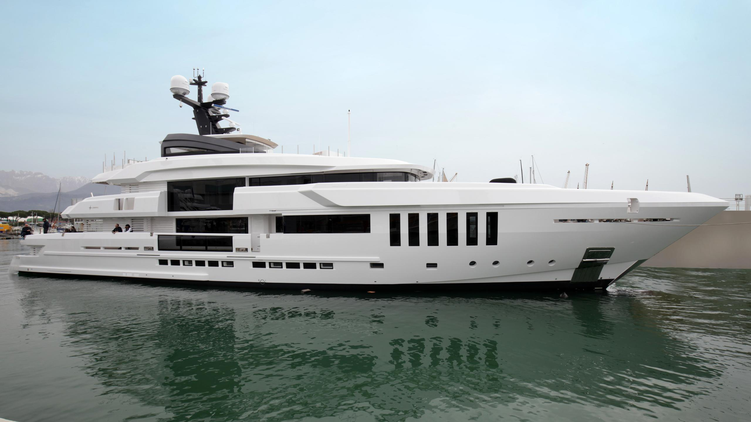 ouranos-motor-yacht-admiral-italian-sea-group-2016-50m-profile-launch