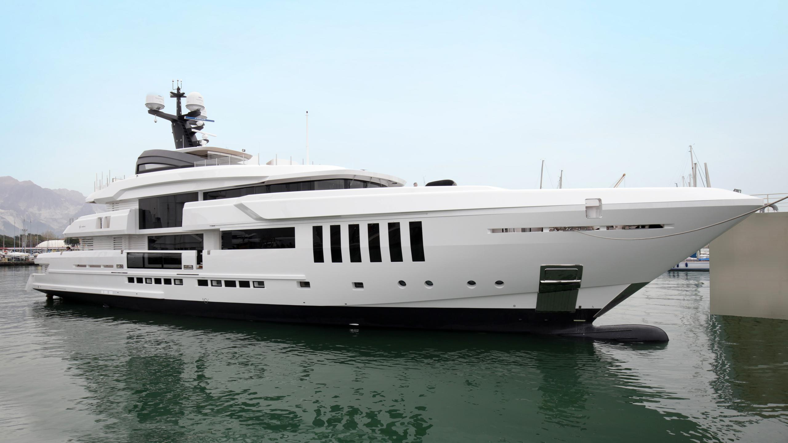 ouranos-motor-yacht-admiral-italian-sea-group-2016-50m-half-profile-launch