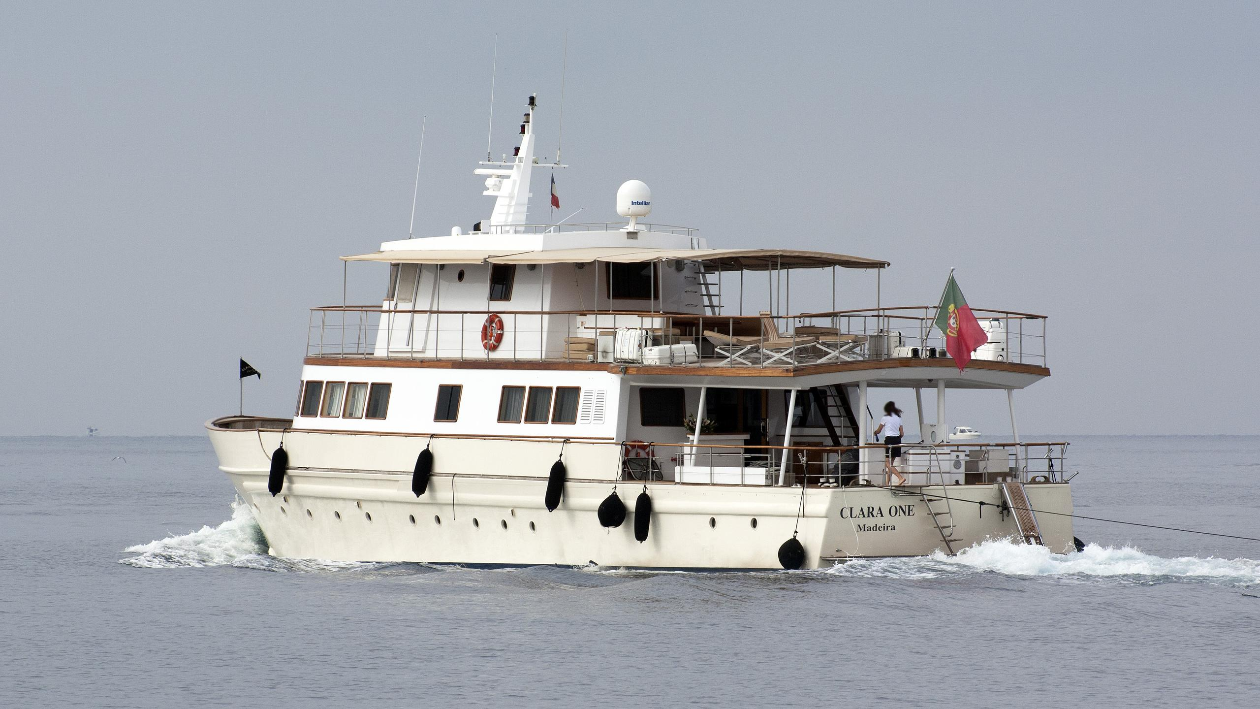 clara-one-motor-yacht-sarri-1961-31m-half-profile