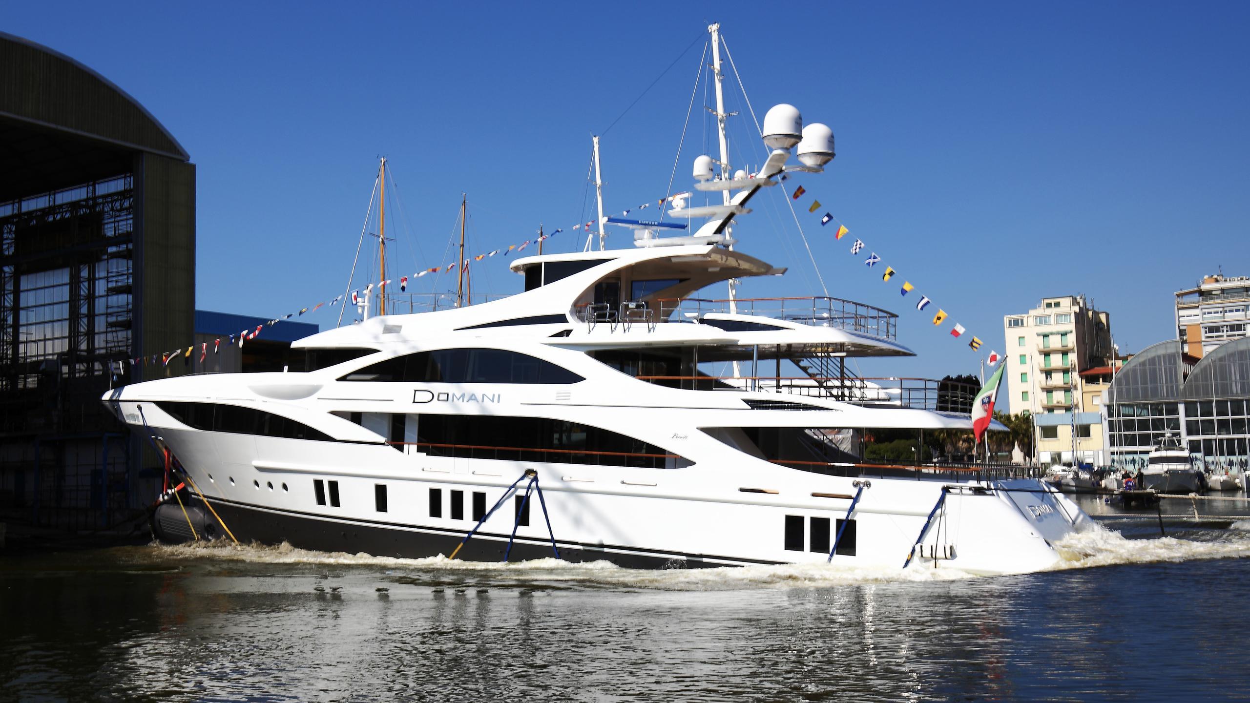 domani-motor-yacht-benetti-2016-42m-profile-launch