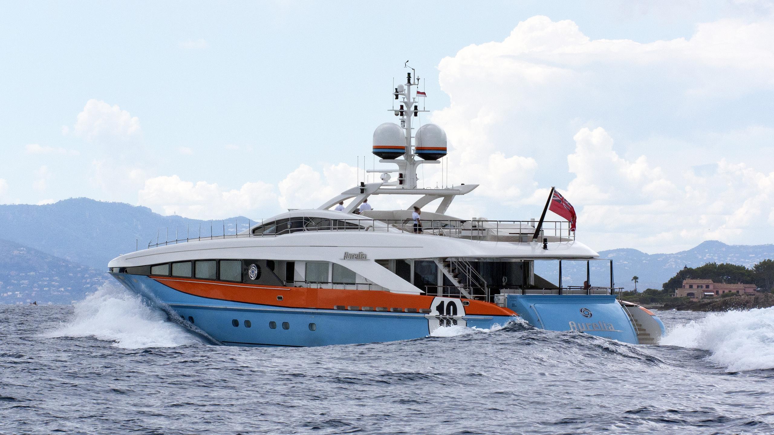 aurelia-motor-yacht-heesen-3700-20100-37m-stern