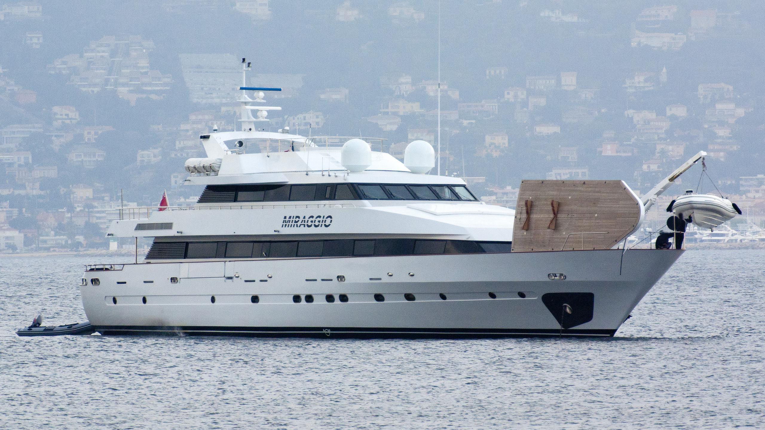 miraggio-motor-yacht-siar-moschini-1988-41m-half-profile