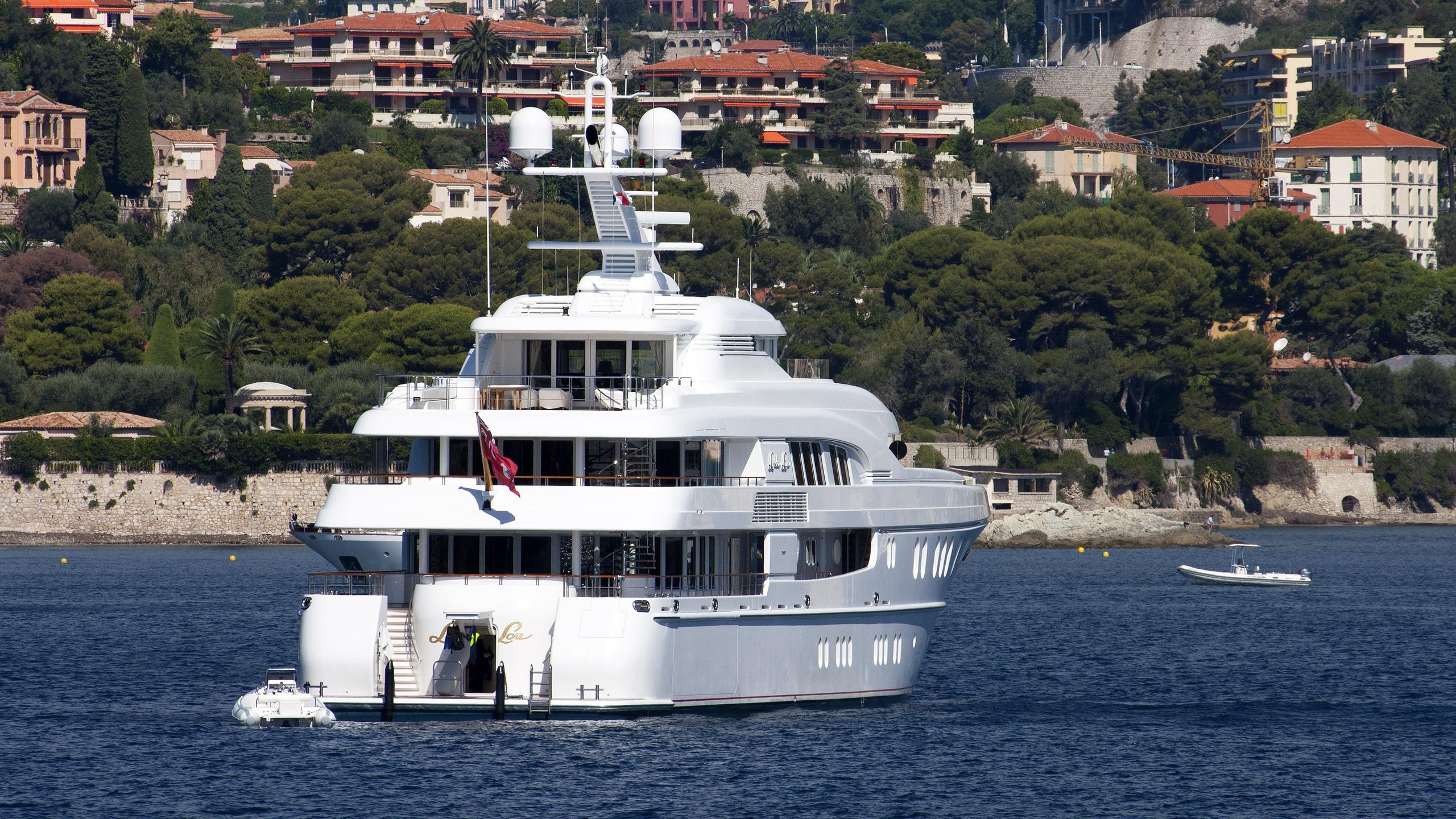 podium-motor-yacht-lurssen-2006-60m-stern-before-refit