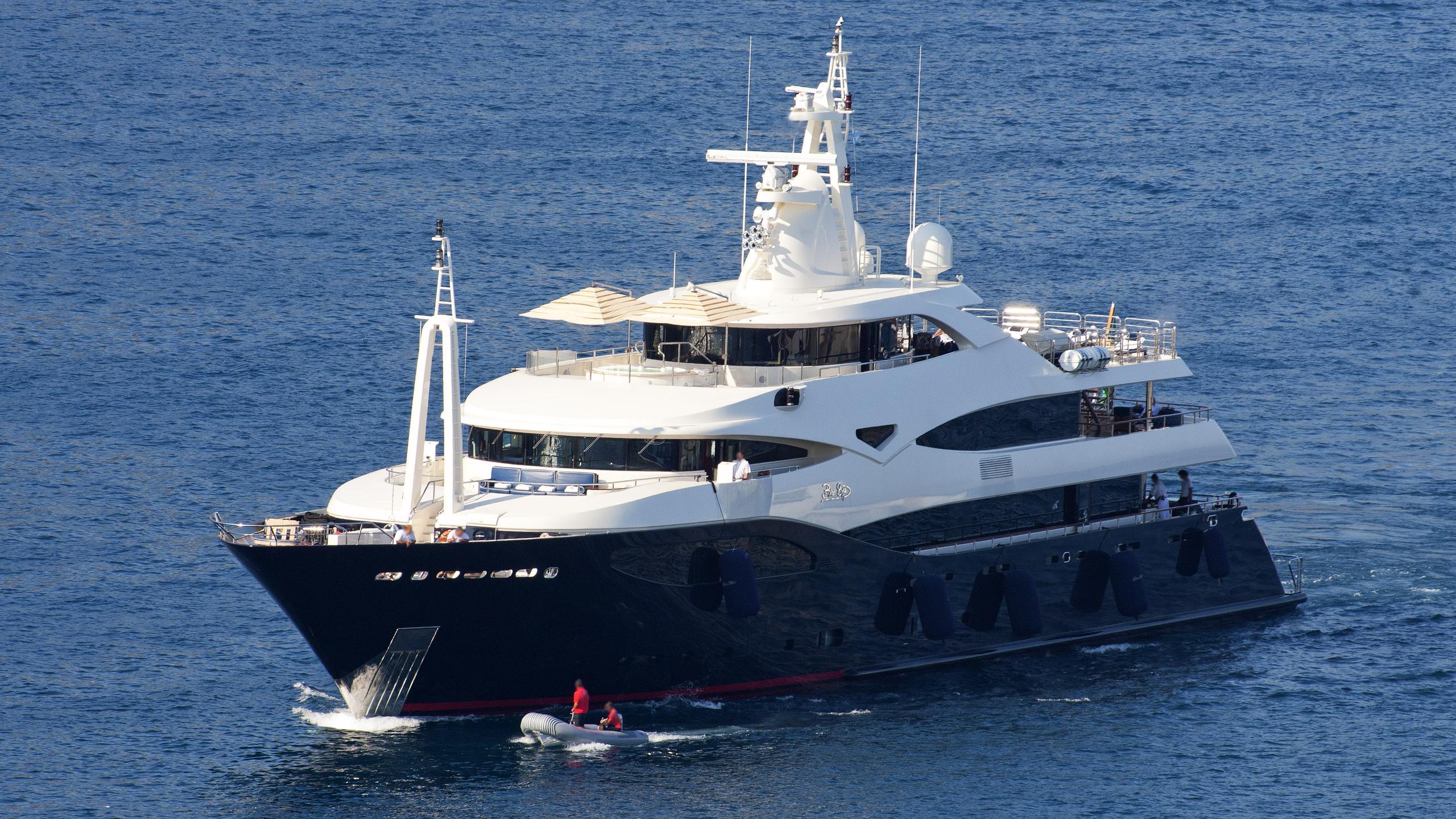 blue-eyes-motor-yacht-crn-2009-60m-half-profile