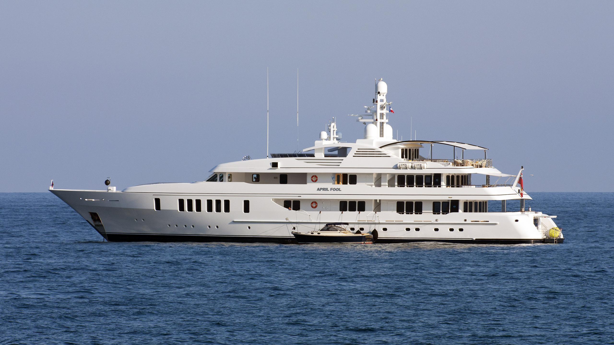 samadhi-motor-yacht-feadship-2006-61m-profile