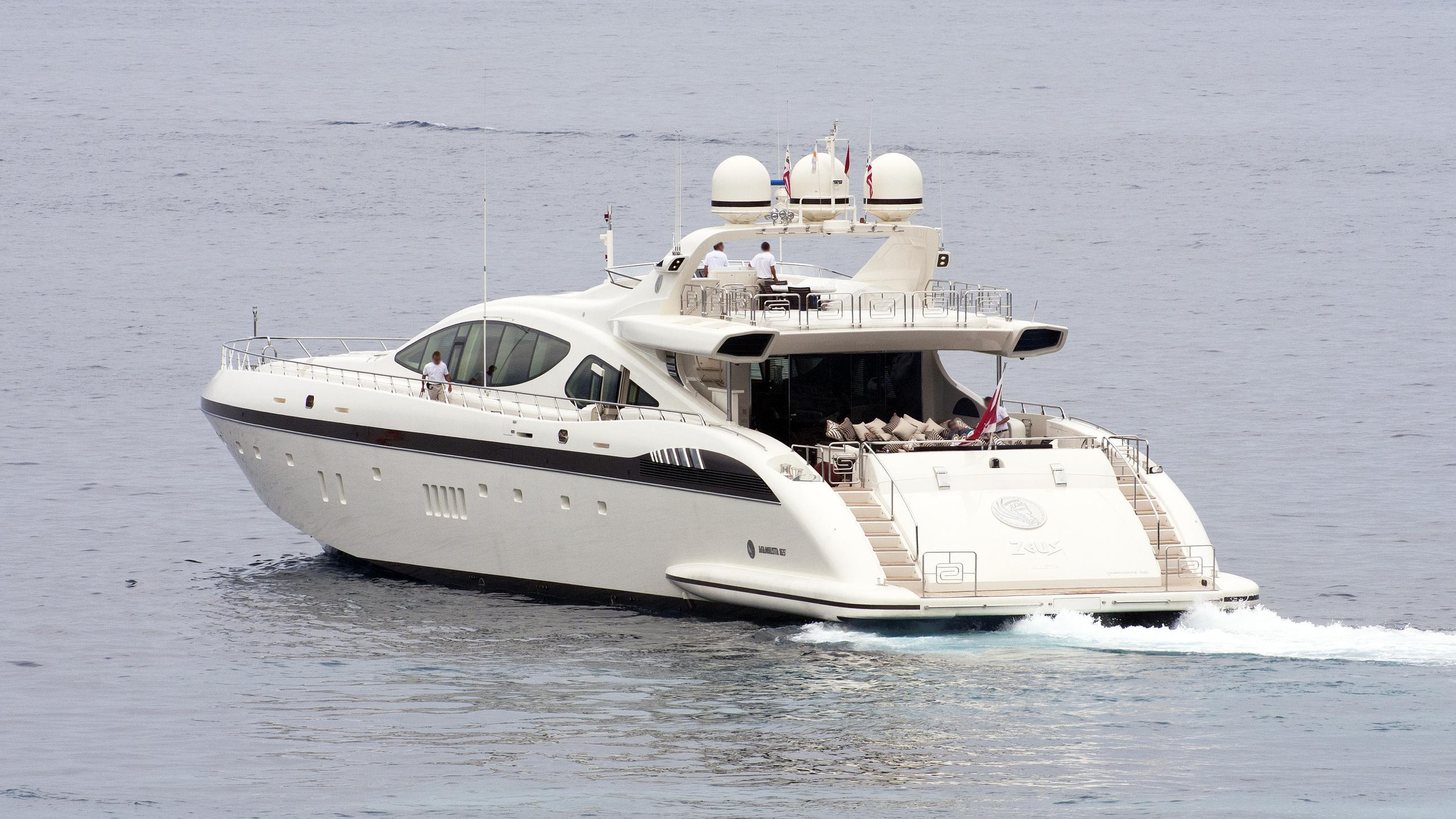 zeus-motor-yacht-overmarine-2009-50m-stern