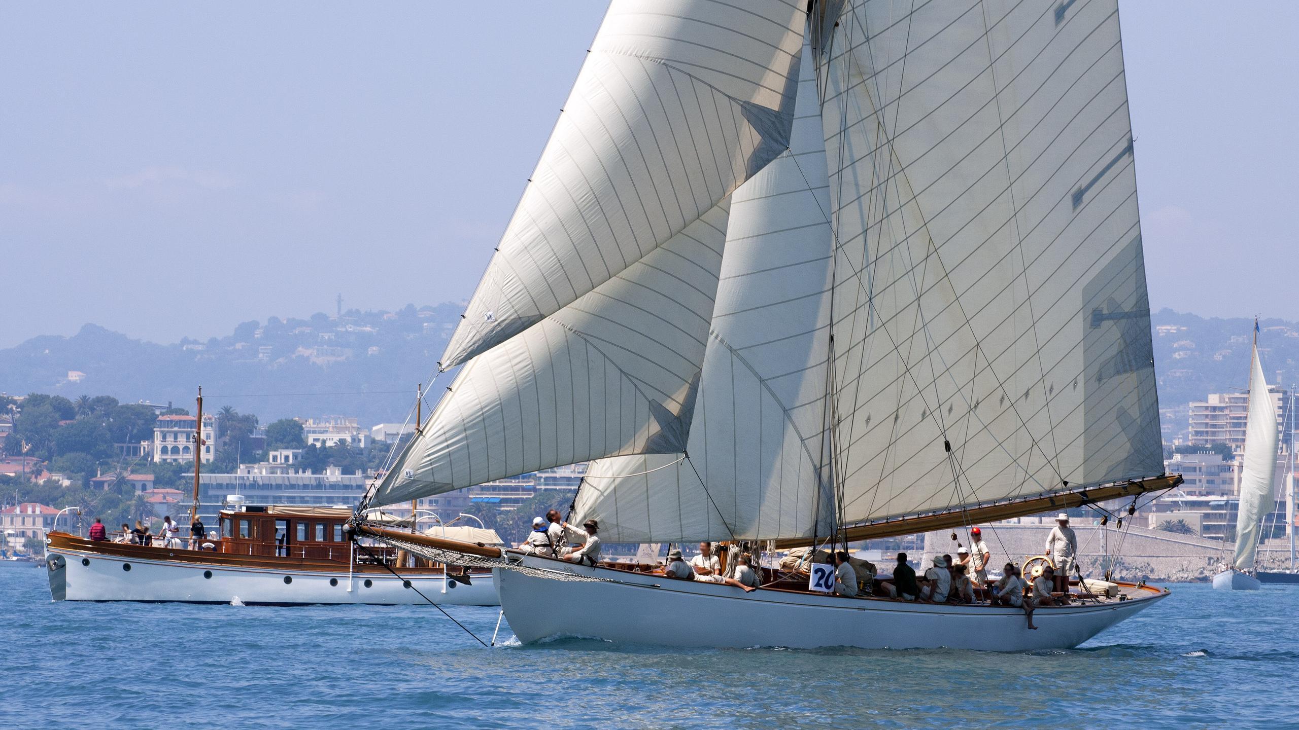 moonbeam-iii-sailing-yacht-fife-1903-32m-half-profile