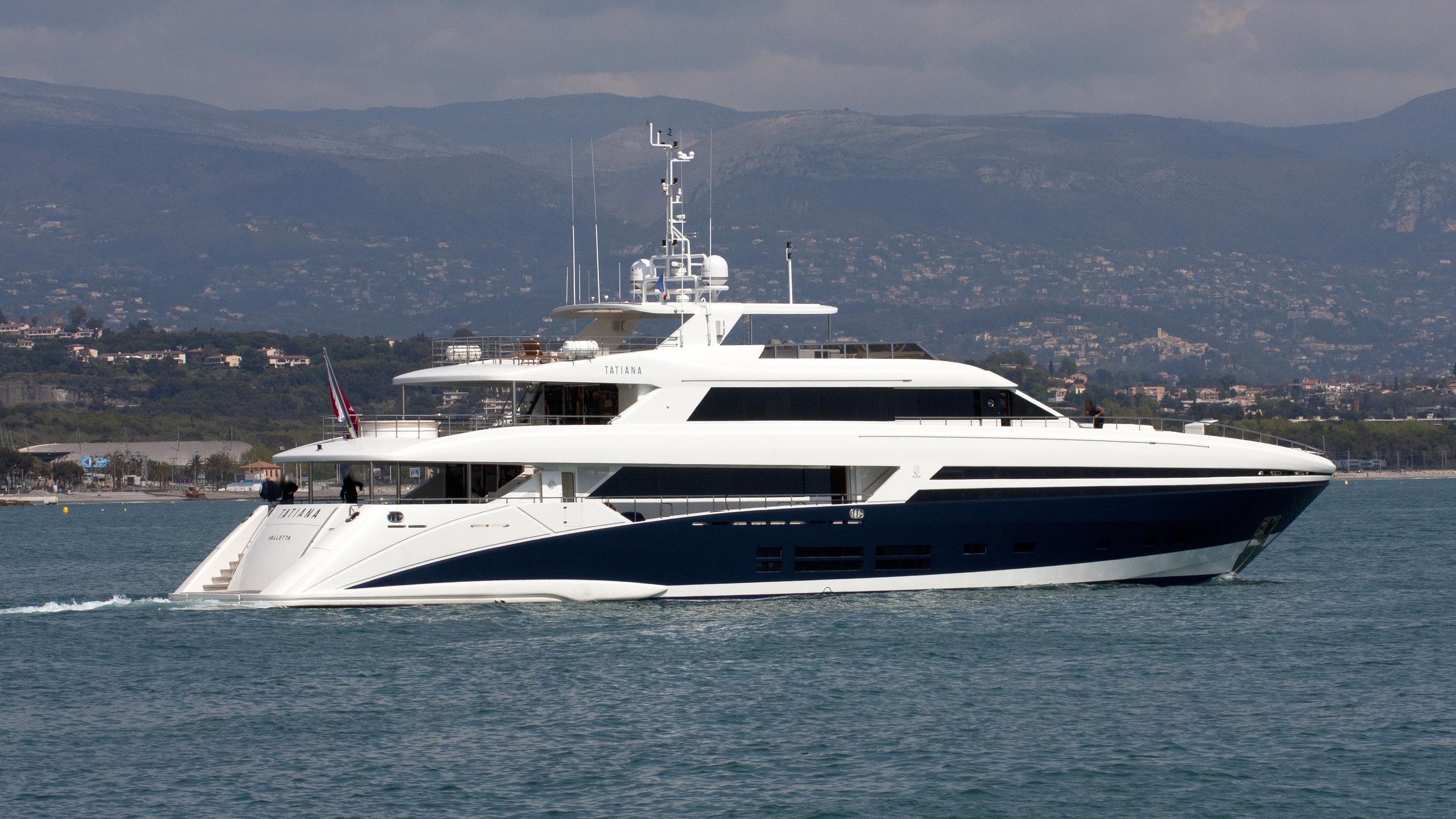 tatiana-yacht-exterior