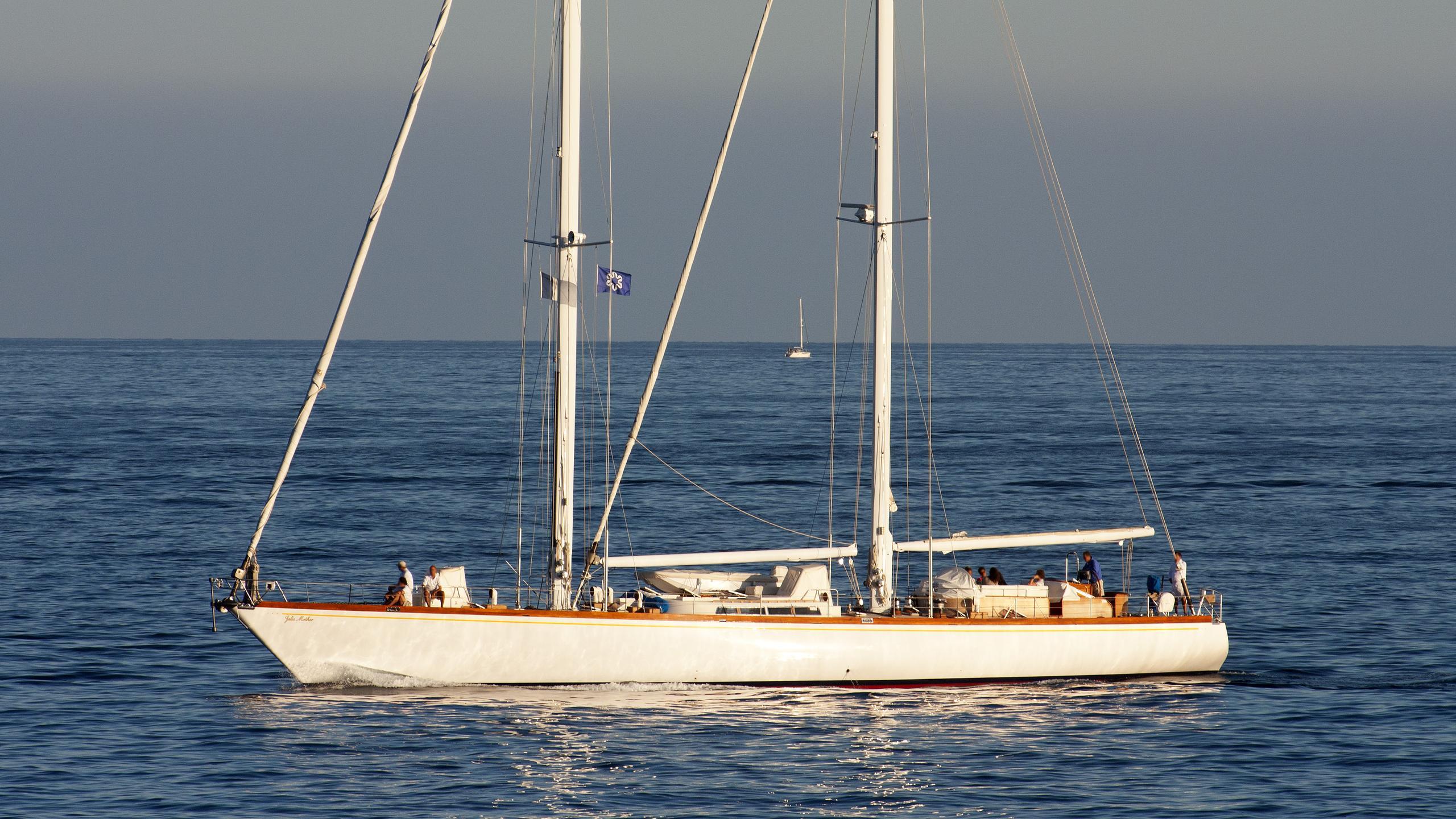 julie-mother-sailing-yacht-sangermani-1978-30m-profile
