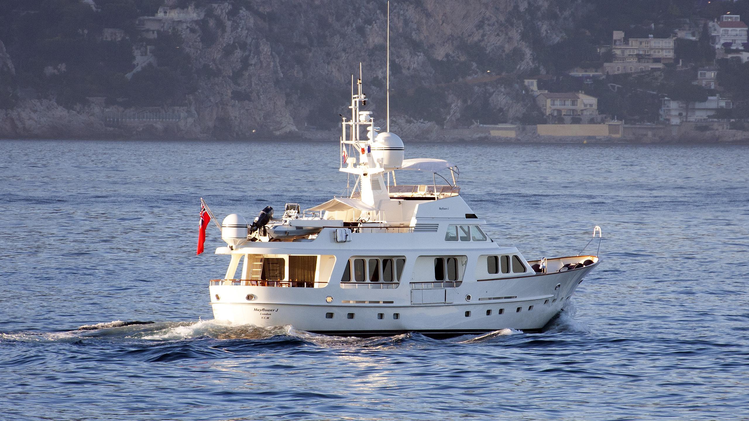 mayflower-motor-yacht-moonene-85-1992-26m-cruising-stern
