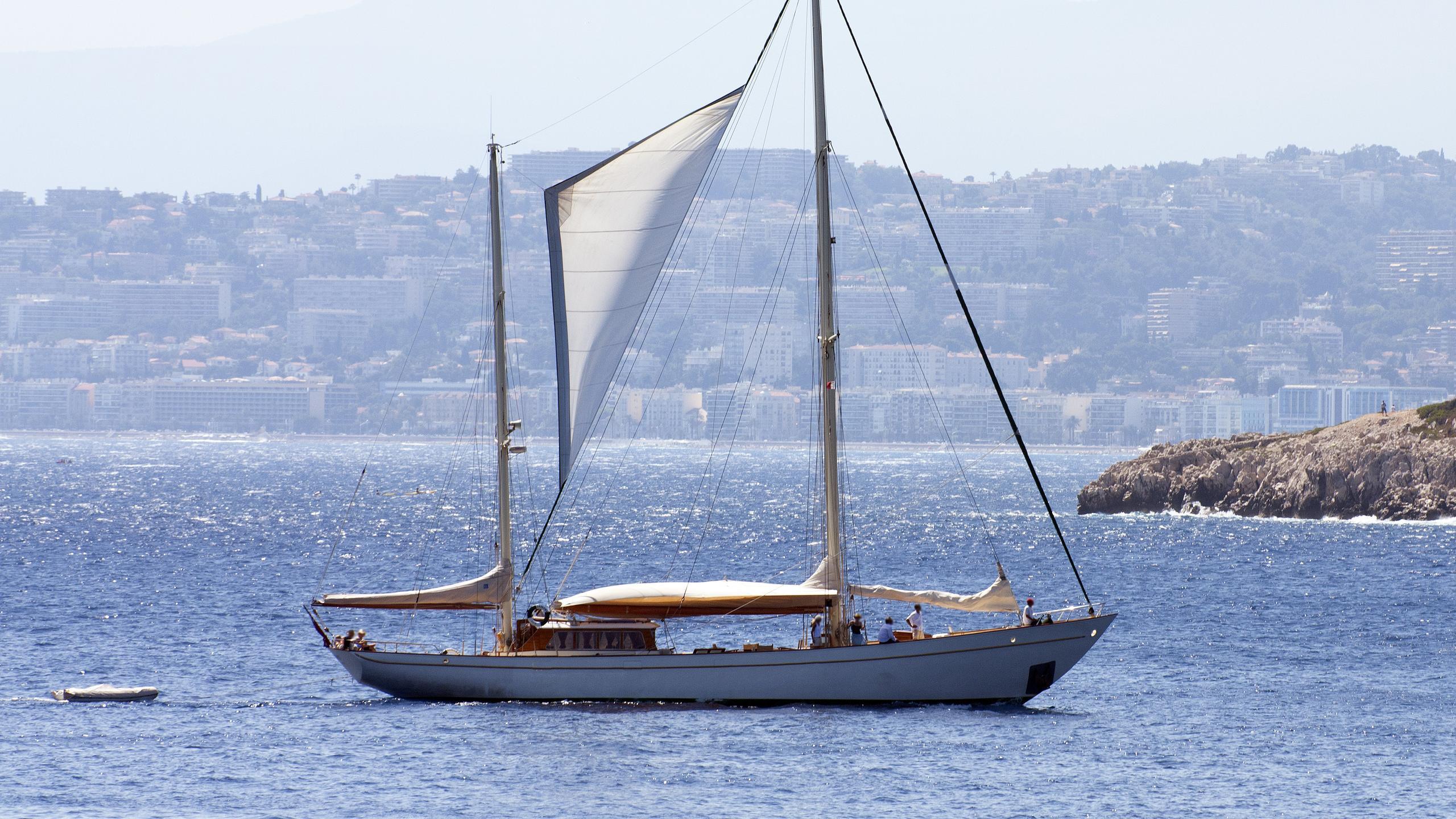 tamory-sailing-yacht-koser-meyer-1952-26m-profile
