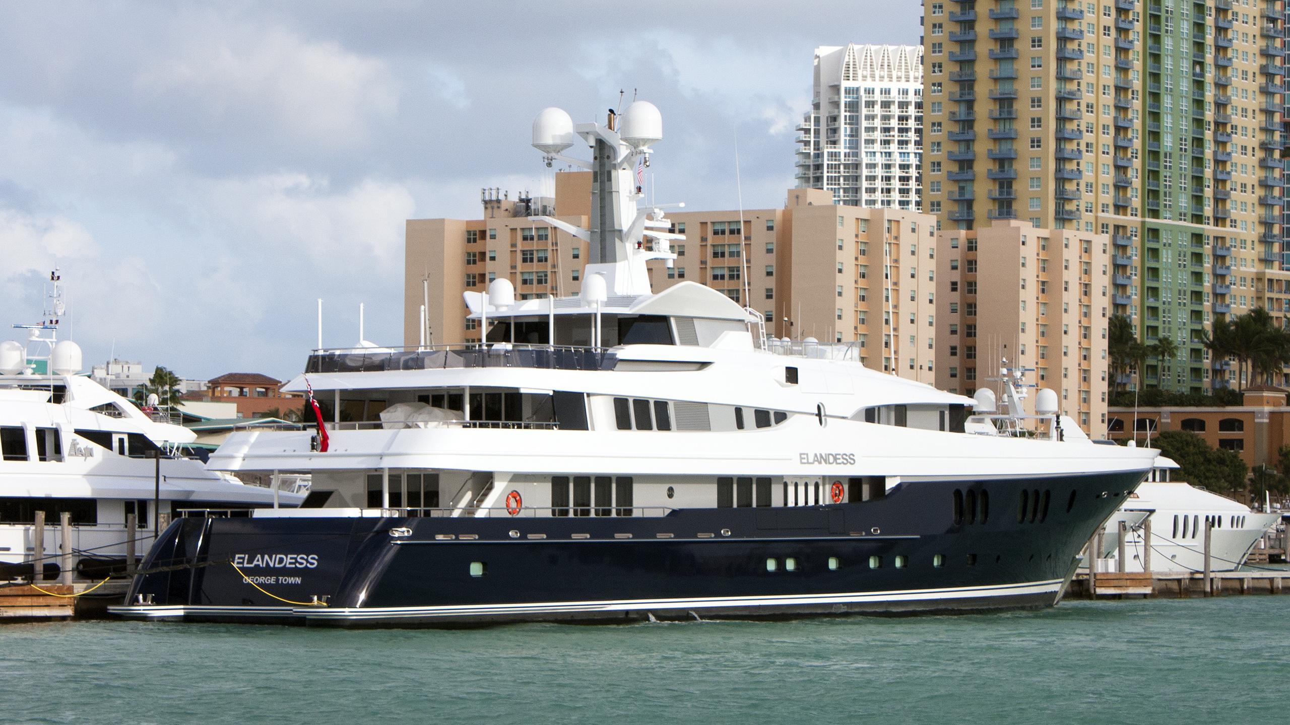 elandess-motor-yacht-abeking-rasmussen-2009-60m-stern