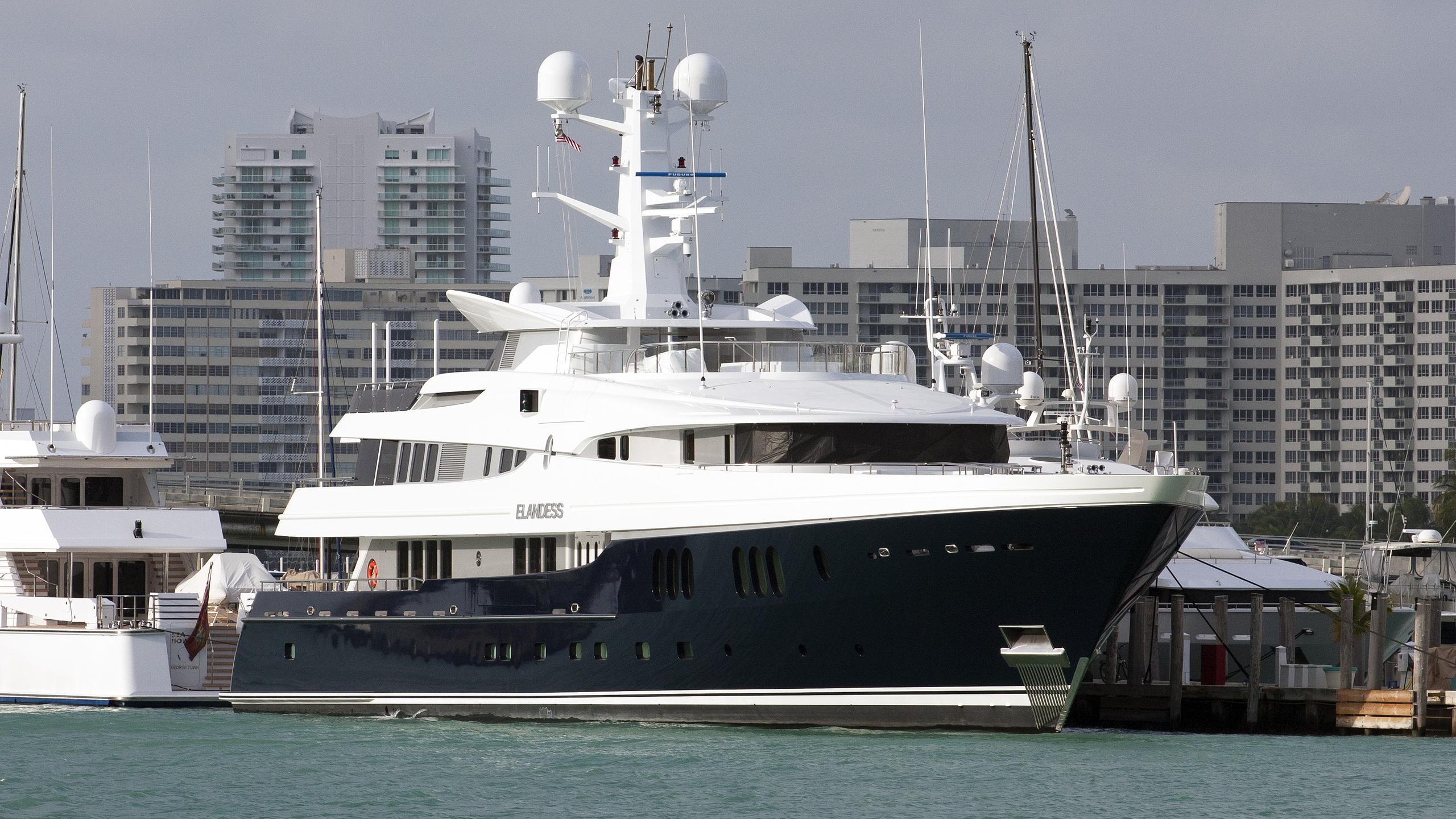 elandess-motor-yacht-abeking-rasmussen-2009-60m-half-profile