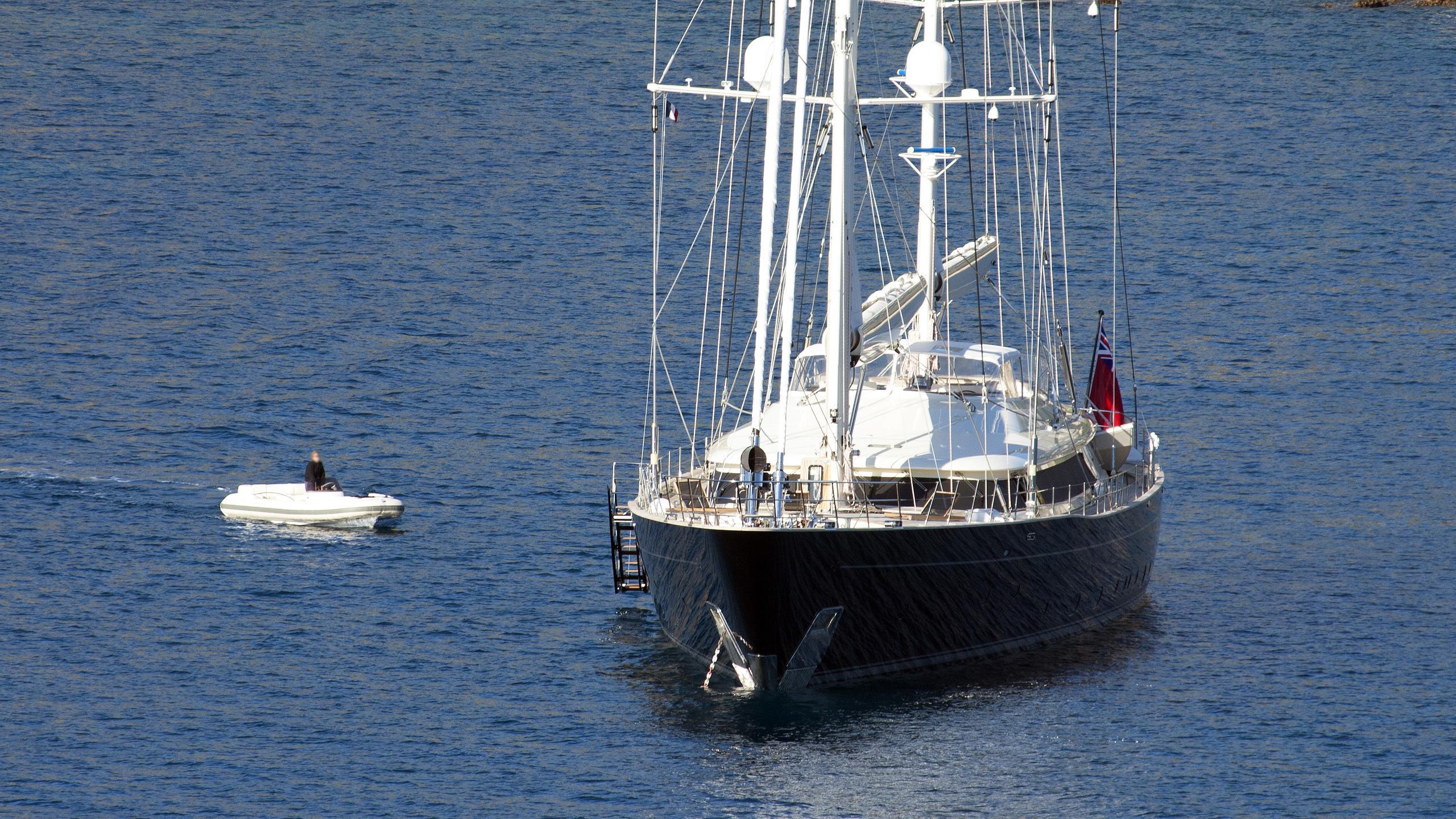 asahi-sailing-yacht-perini-navi-2009-56m-bow-tender