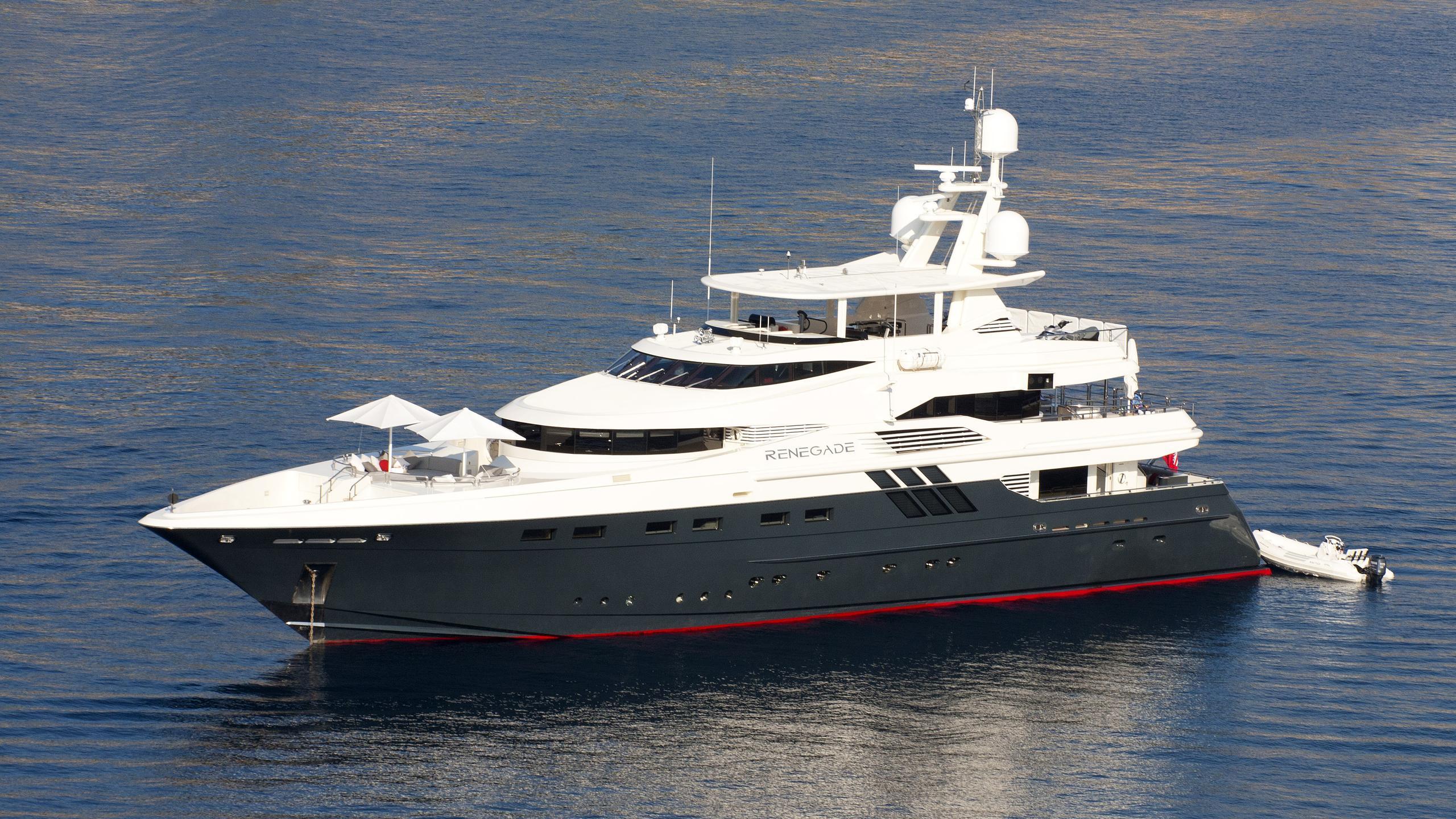 robusto-motor-yacht-lloyds-1992-43m-half-profile