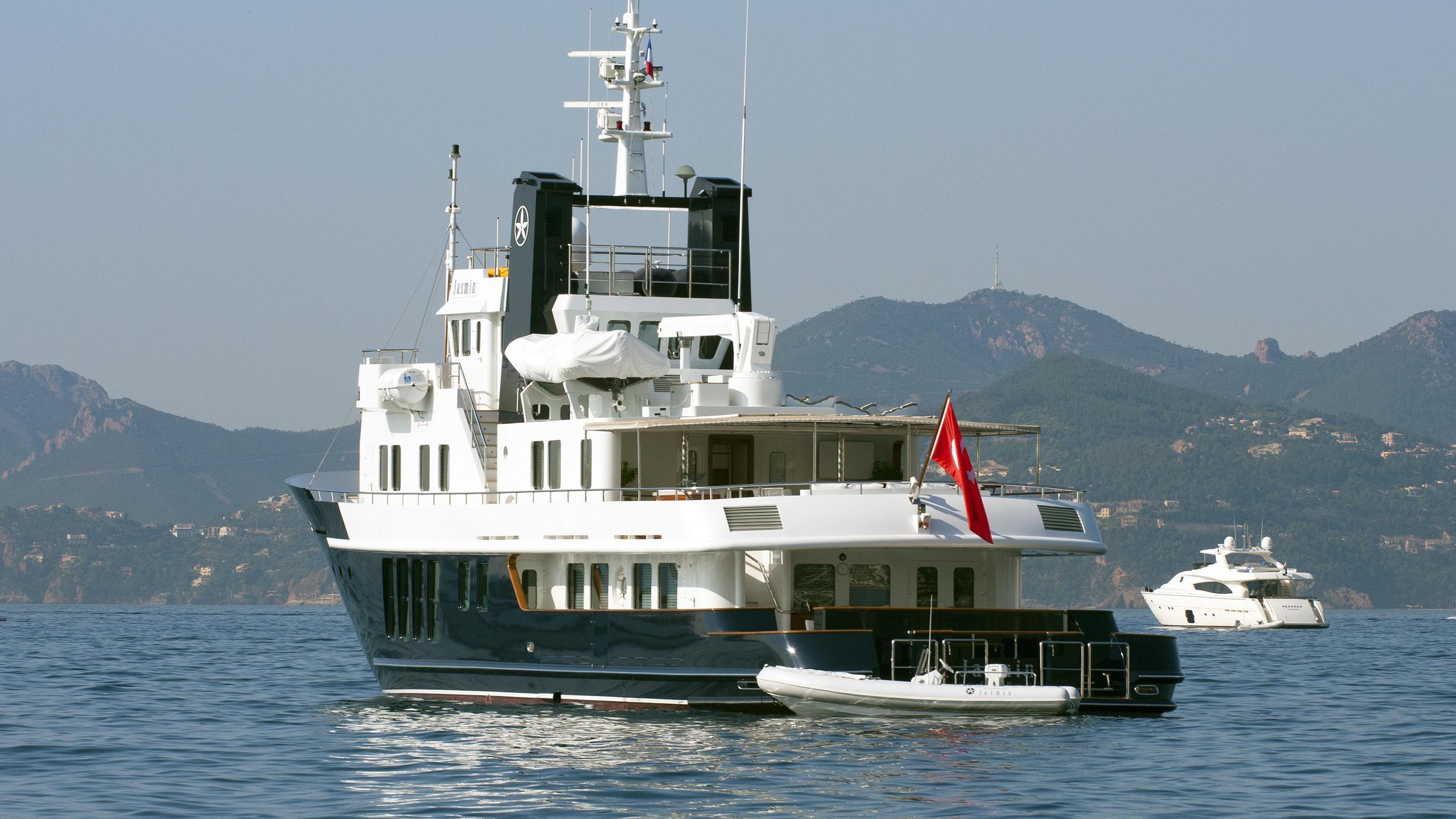 jasmin-explorer-yacht-rmk-marine-2003-37m-stern