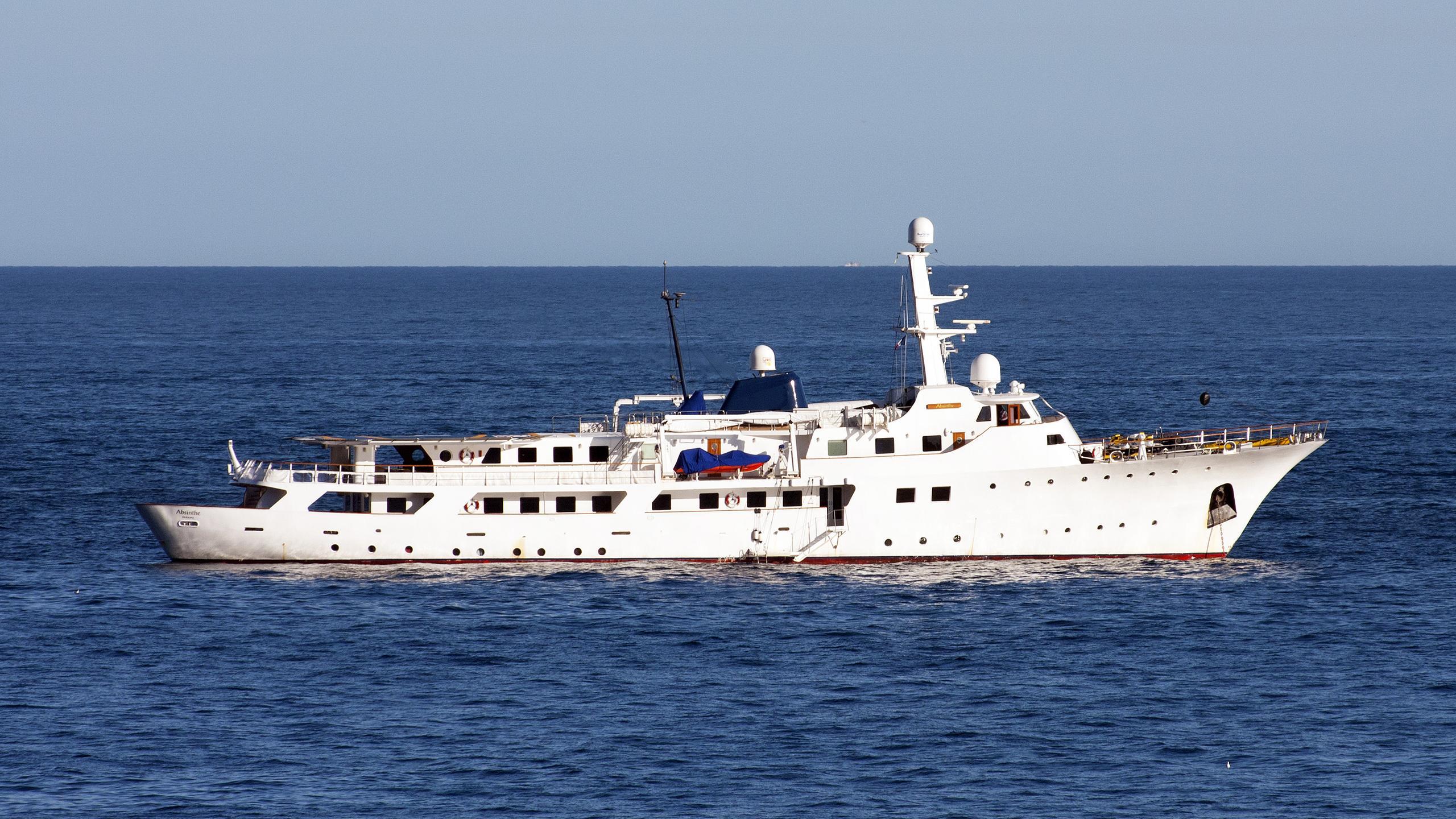 voyager-explorer-yacht-celaya-1973-62m-profile